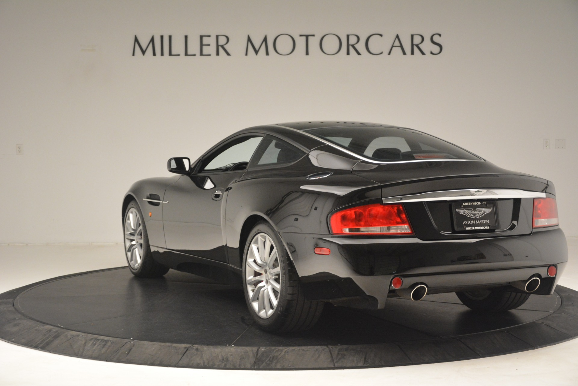 Used 2004 Aston Martin V12 Vanquish  For Sale In Westport, CT 3160_p3