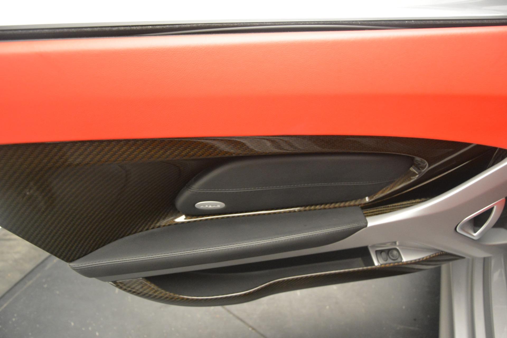 Used 2005 Porsche Carrera GT  For Sale In Westport, CT 3161_p28