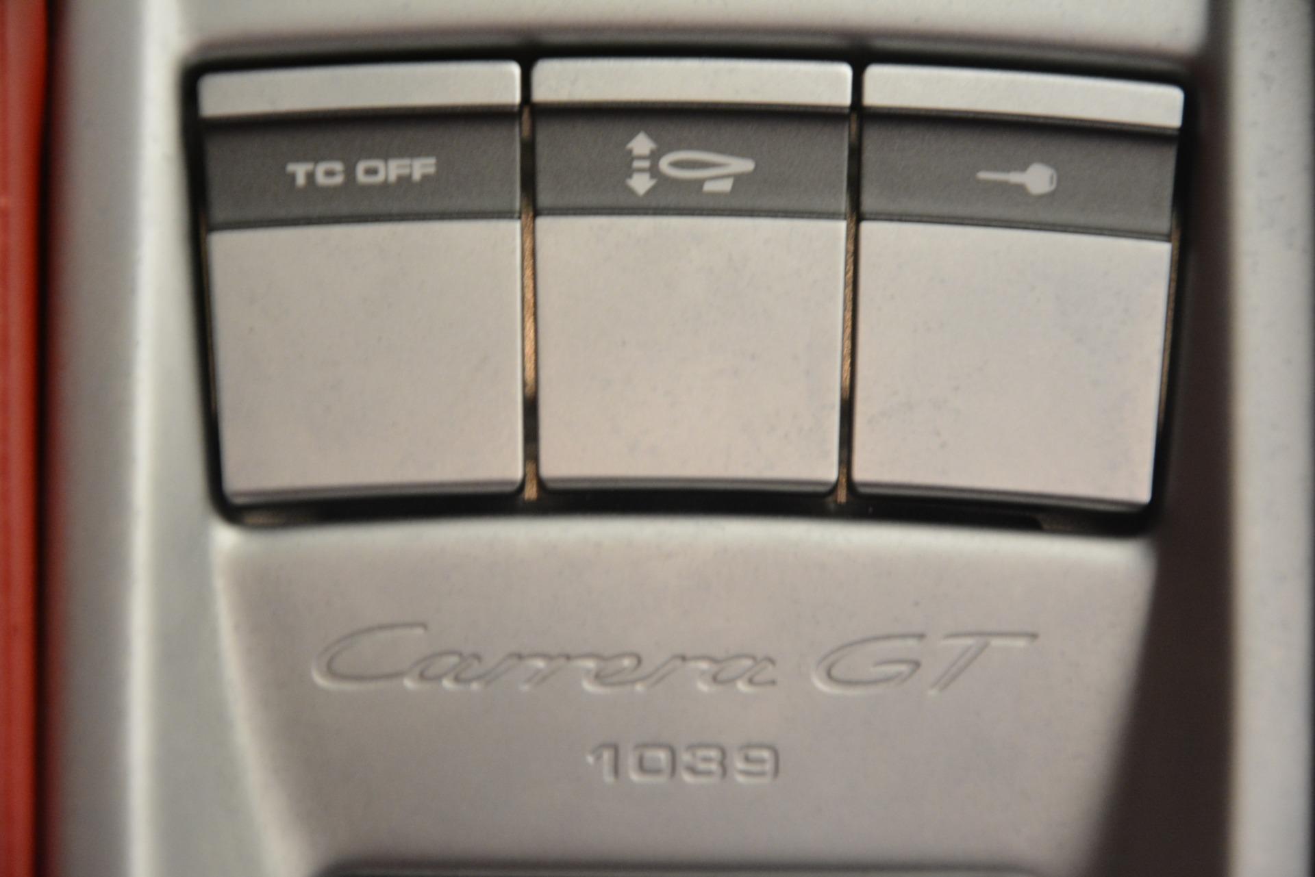 Used 2005 Porsche Carrera GT  For Sale In Westport, CT 3161_p35