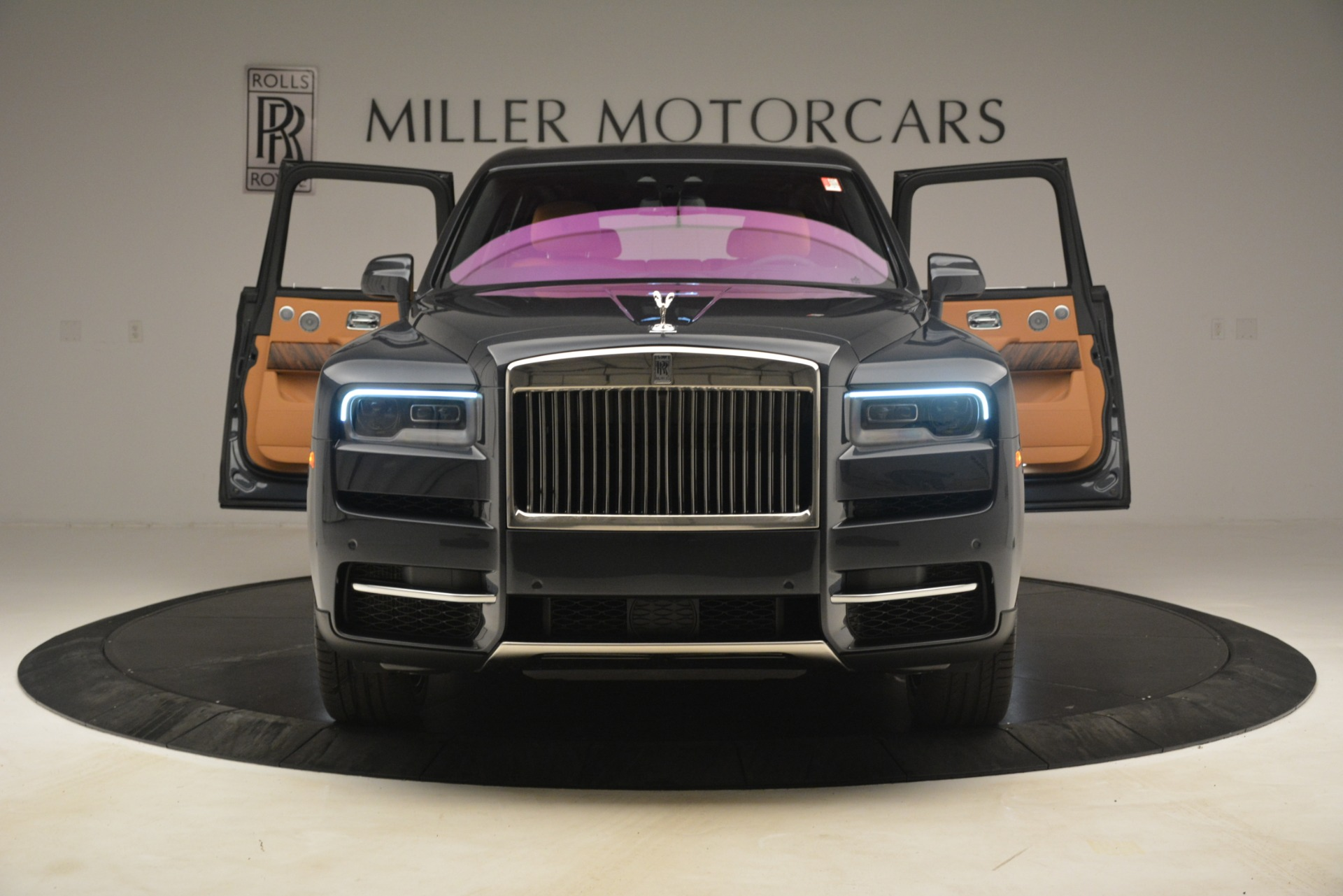 Used 2019 Rolls-Royce Cullinan  For Sale In Westport, CT 3162_p15