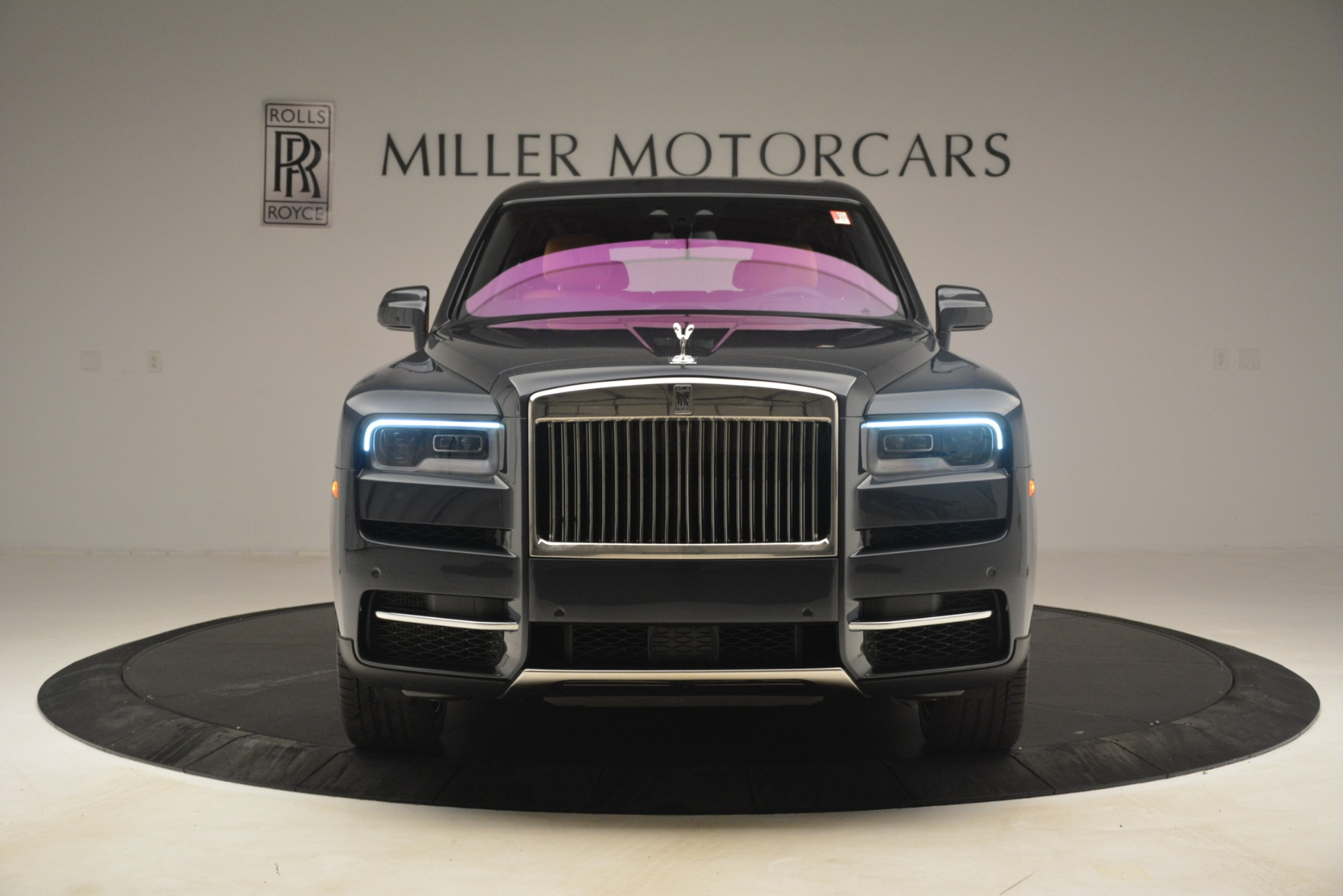 Used 2019 Rolls-Royce Cullinan  For Sale In Westport, CT 3162_p2