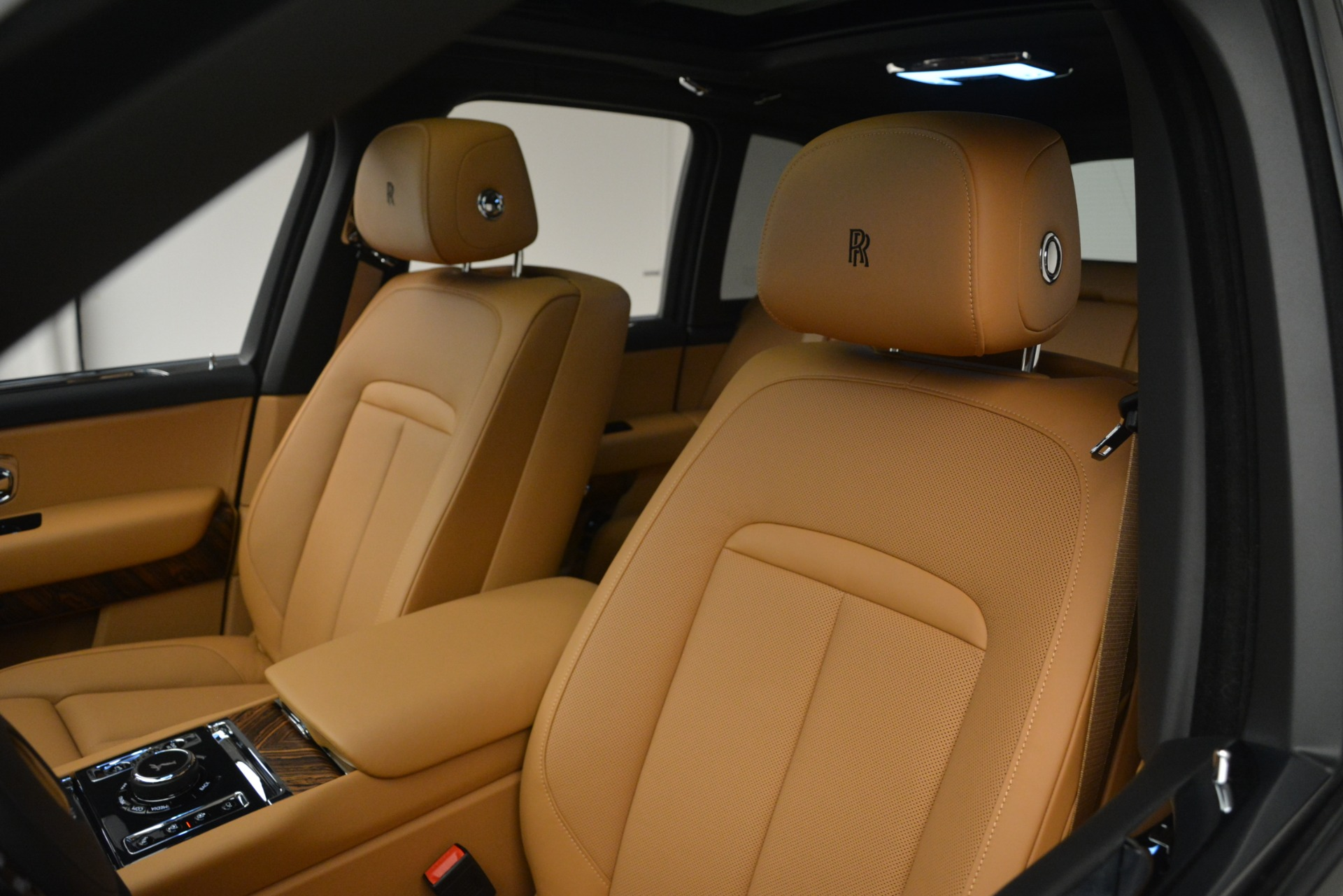 Used 2019 Rolls-Royce Cullinan  For Sale In Westport, CT 3162_p30