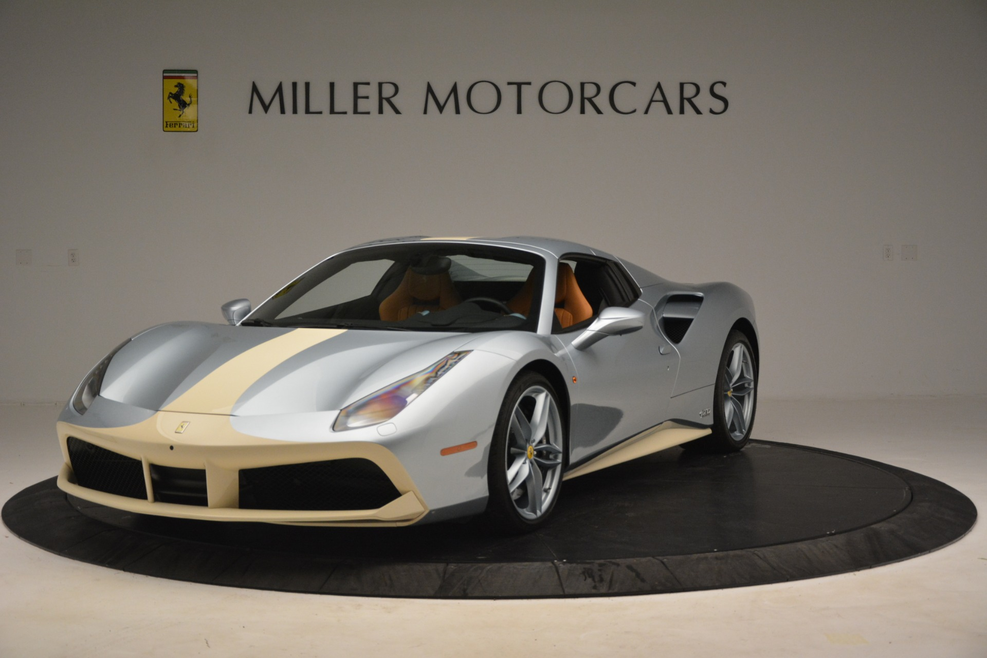 Used 2018 Ferrari 488 Spider  For Sale In Westport, CT 3168_p13