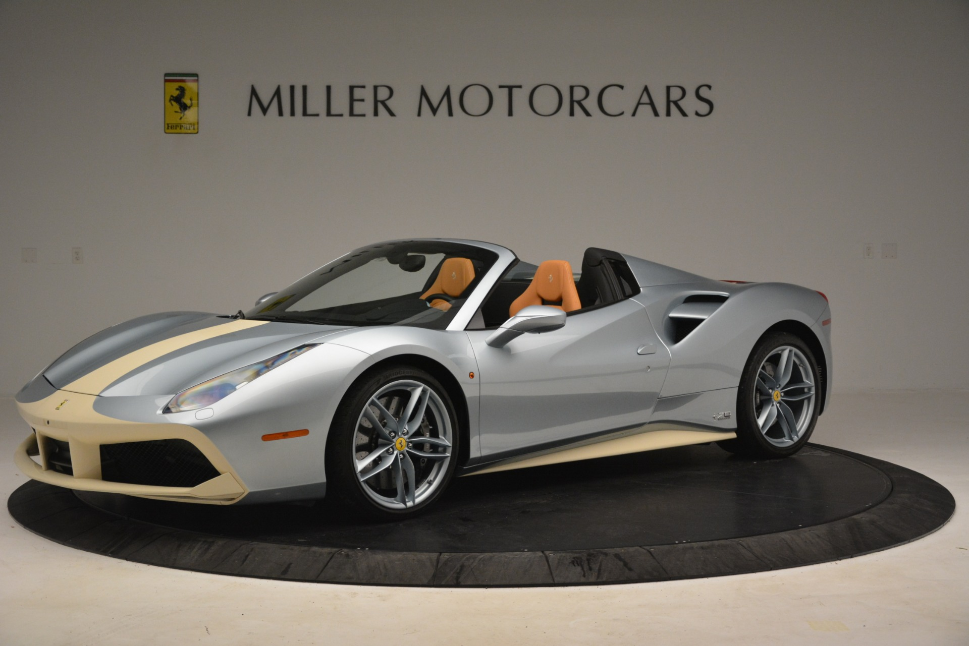 Used 2018 Ferrari 488 Spider  For Sale In Westport, CT 3168_p2