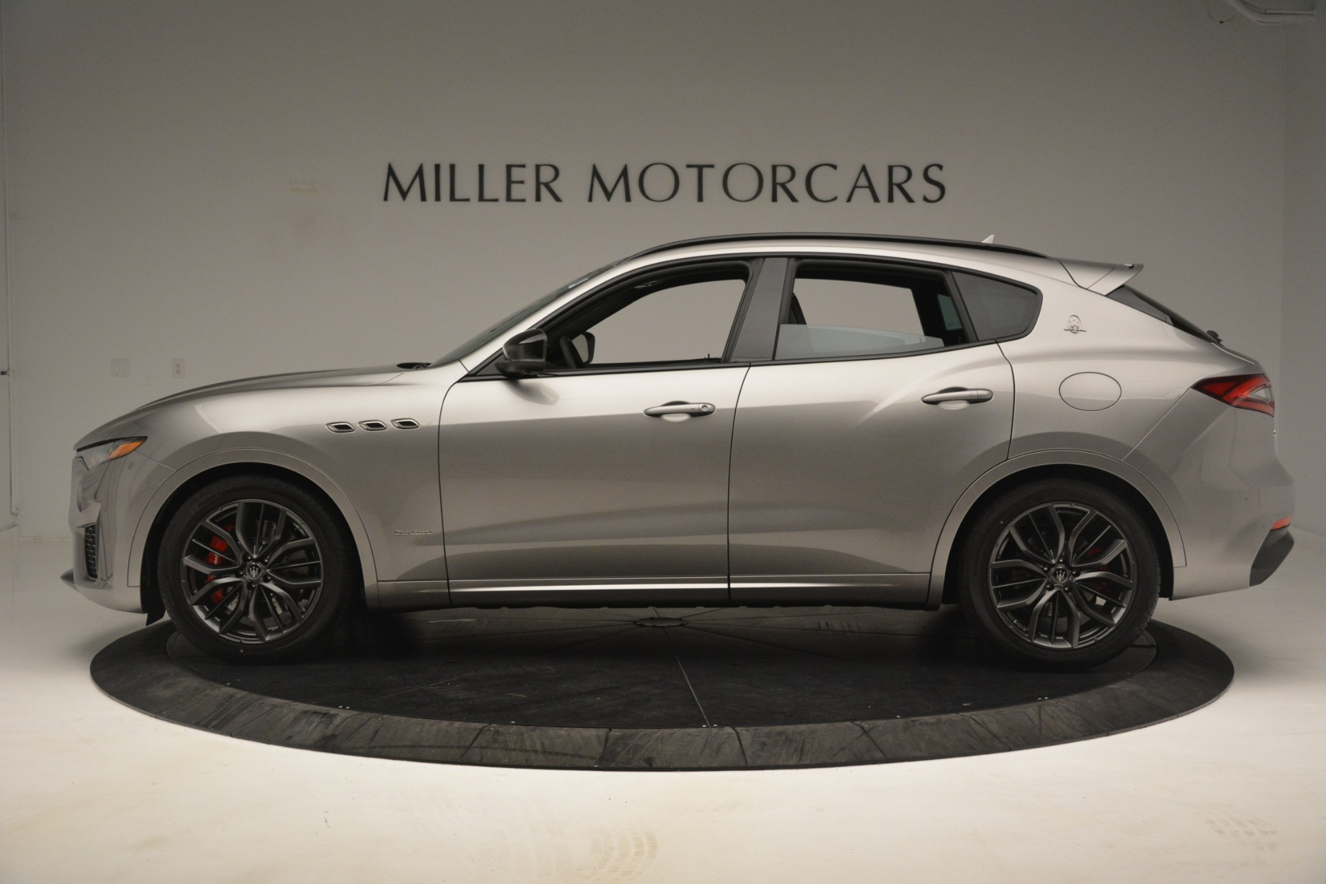 New 2019 Maserati Levante SQ4 GranSport Nerissimo For Sale In Westport, CT 3177_p3