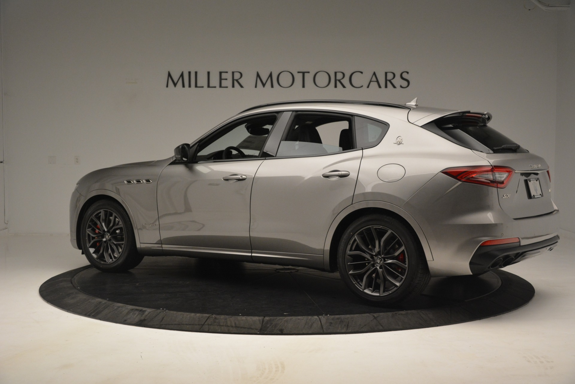 New 2019 Maserati Levante SQ4 GranSport Nerissimo For Sale In Westport, CT 3177_p4