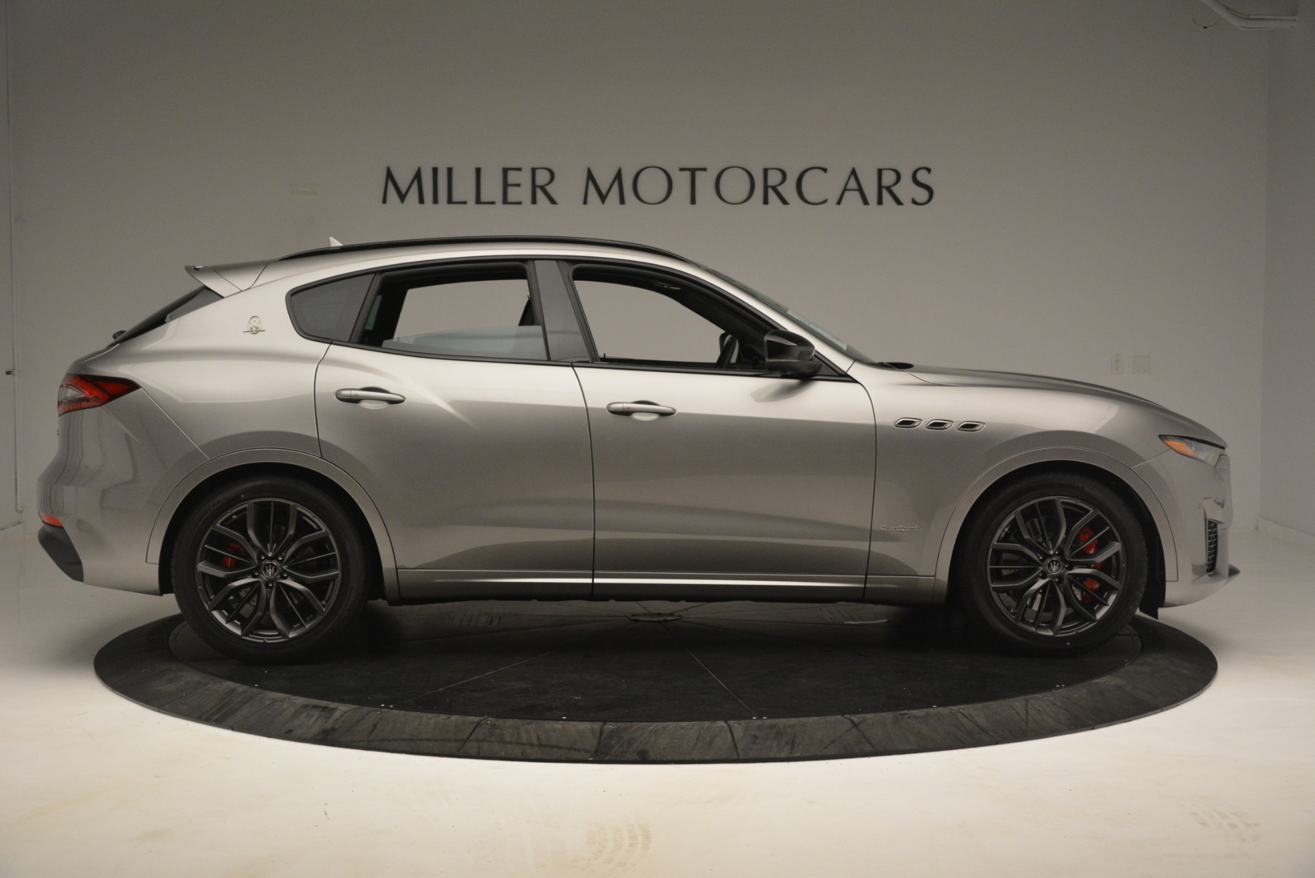 New 2019 Maserati Levante SQ4 GranSport Nerissimo For Sale In Westport, CT 3177_p9