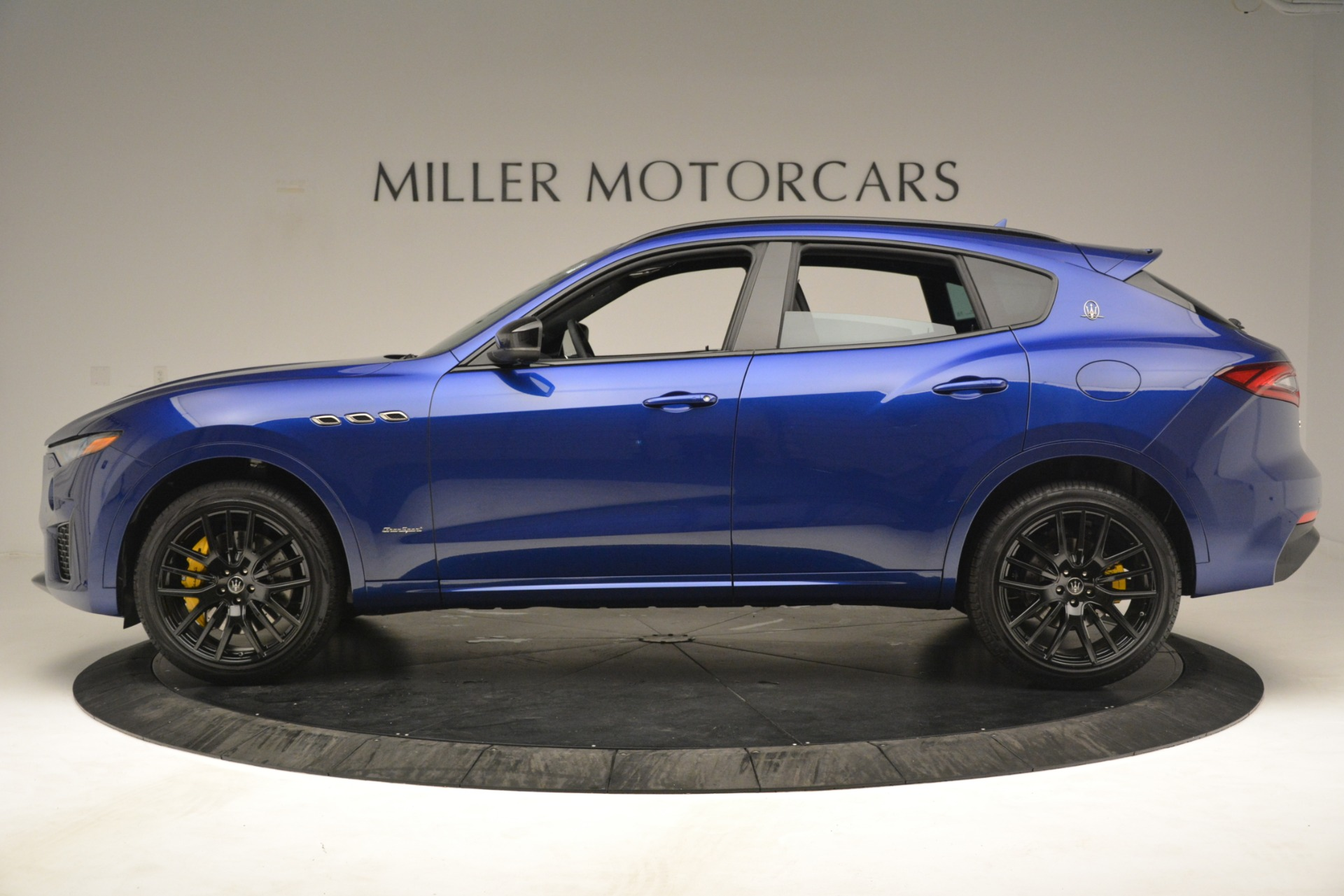 New 2019 Maserati Levante SQ4 GranSport Nerissimo For Sale In Westport, CT 3179_p3