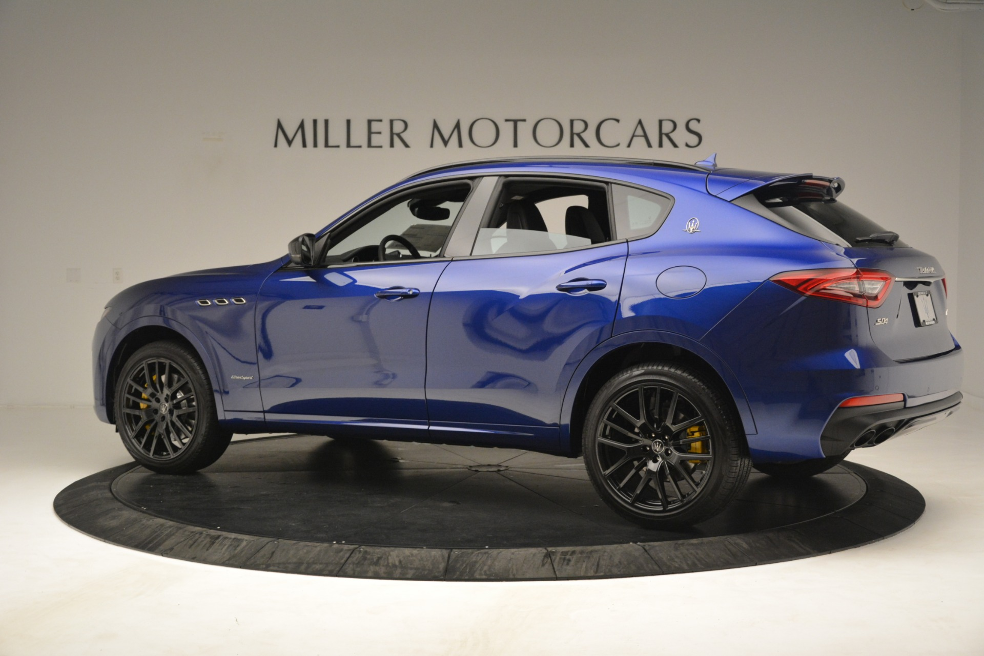 New 2019 Maserati Levante SQ4 GranSport Nerissimo For Sale In Westport, CT 3179_p4