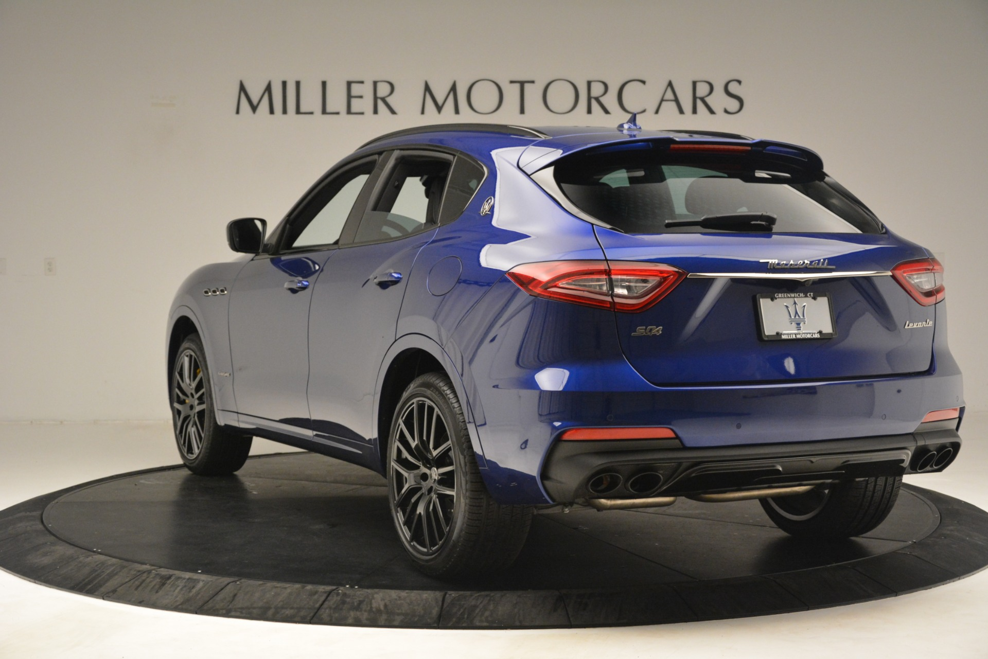 New 2019 Maserati Levante SQ4 GranSport Nerissimo For Sale In Westport, CT 3179_p5