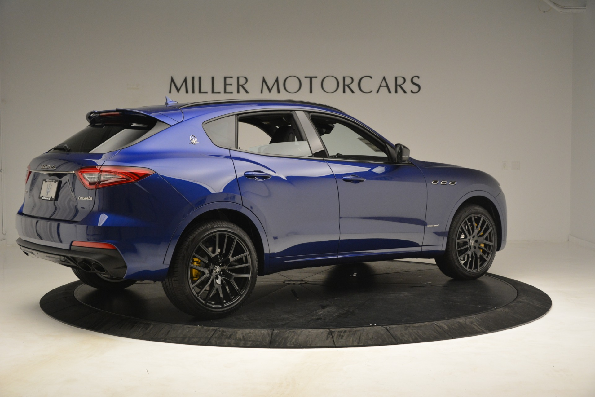 New 2019 Maserati Levante SQ4 GranSport Nerissimo For Sale In Westport, CT 3179_p8