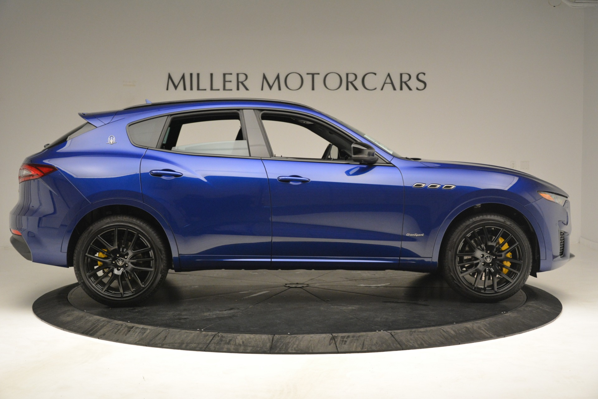 New 2019 Maserati Levante SQ4 GranSport Nerissimo For Sale In Westport, CT 3179_p9