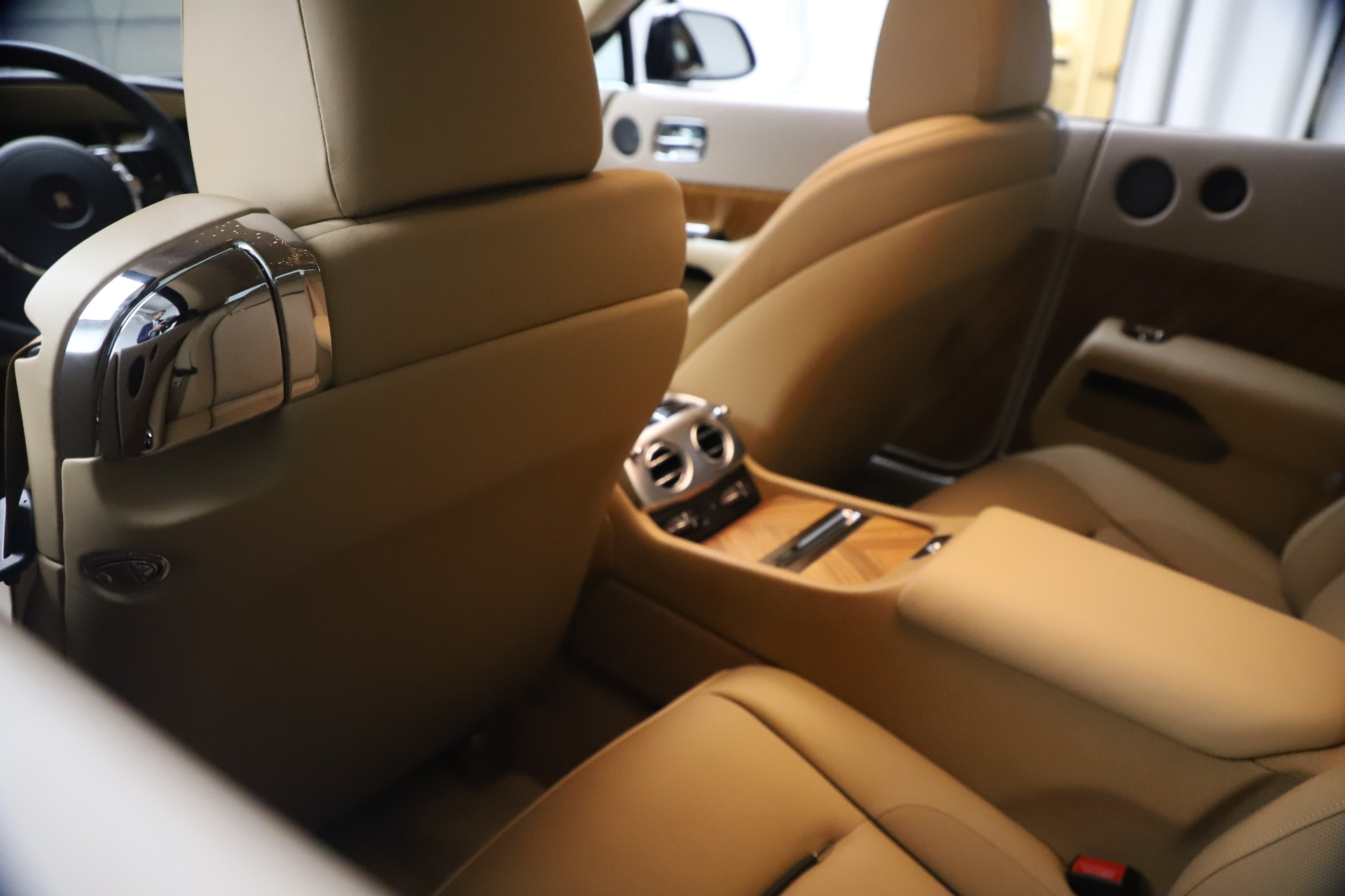 Used 2015 Rolls-Royce Wraith  For Sale In Westport, CT 3184_p23