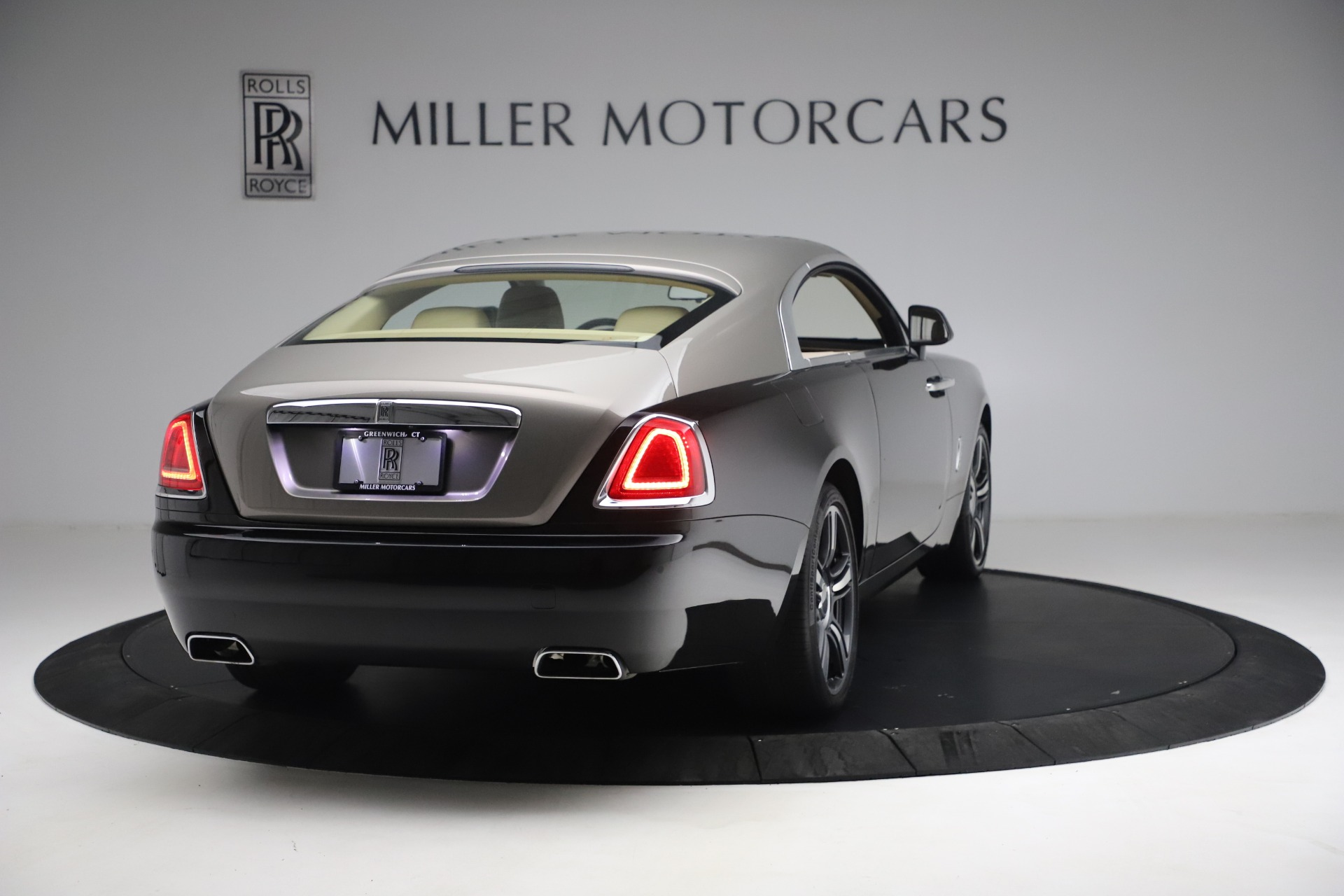 Used 2015 Rolls-Royce Wraith  For Sale In Westport, CT 3184_p9