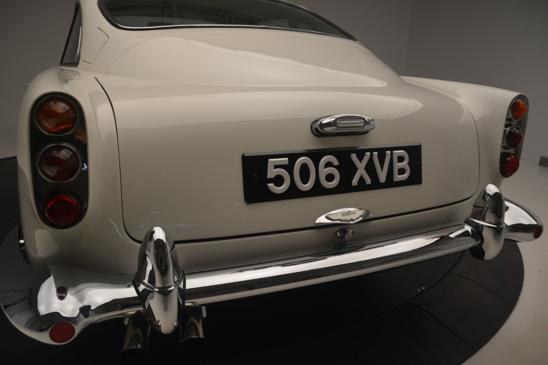 Used 1961 Aston Martin DB4 Series IV Coupe For Sale In Westport, CT 3186_p15