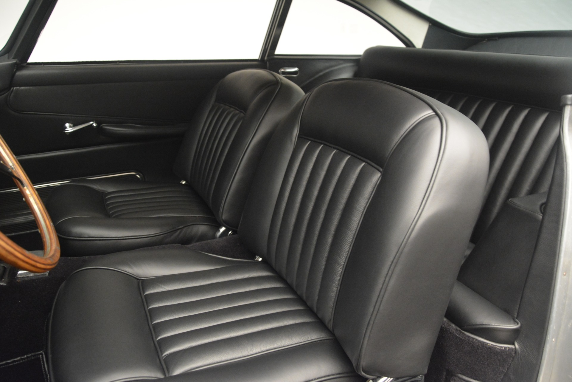 Used 1961 Aston Martin DB4 Series IV Coupe For Sale In Westport, CT 3186_p22