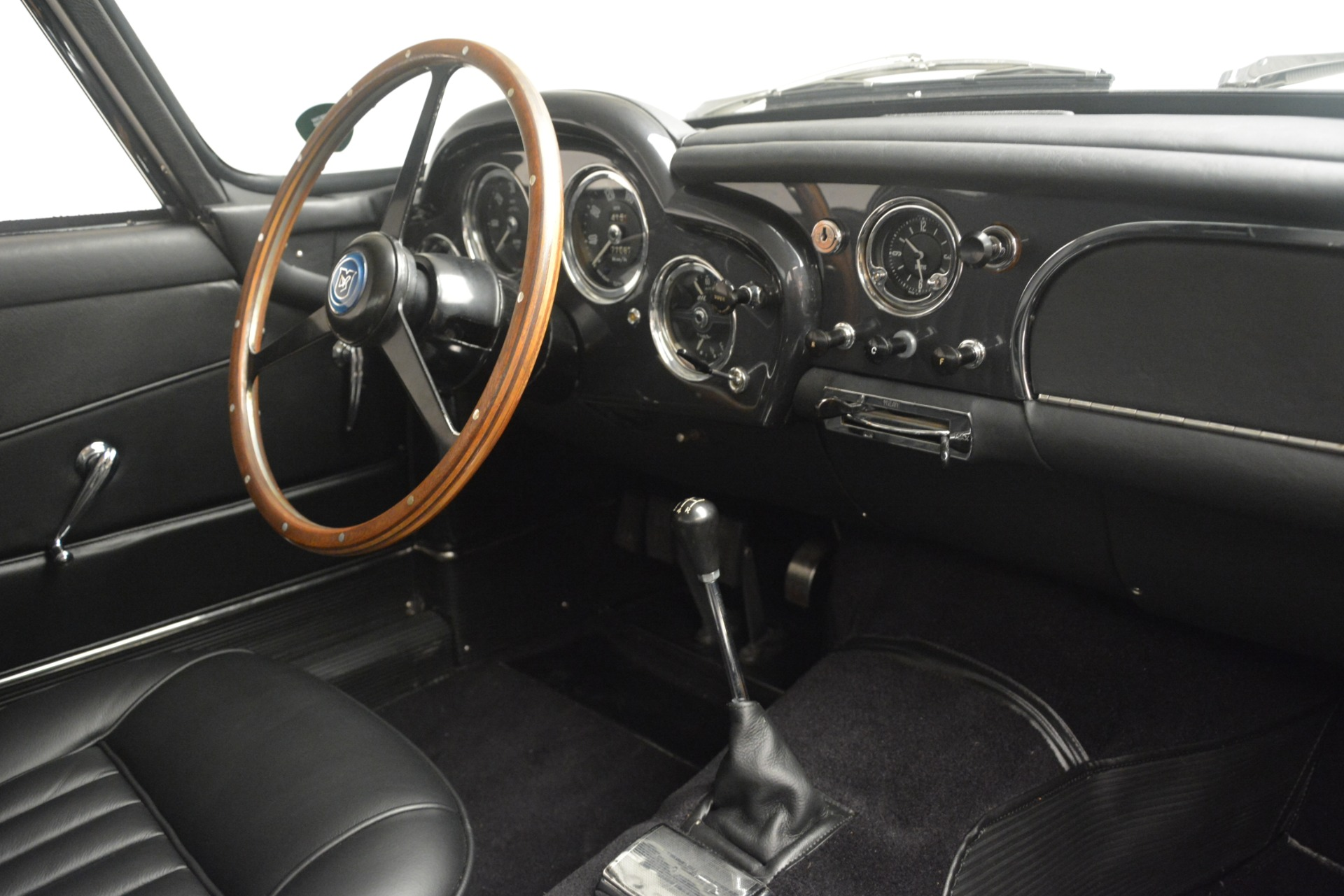 Used 1961 Aston Martin DB4 Series IV Coupe For Sale In Westport, CT 3186_p26