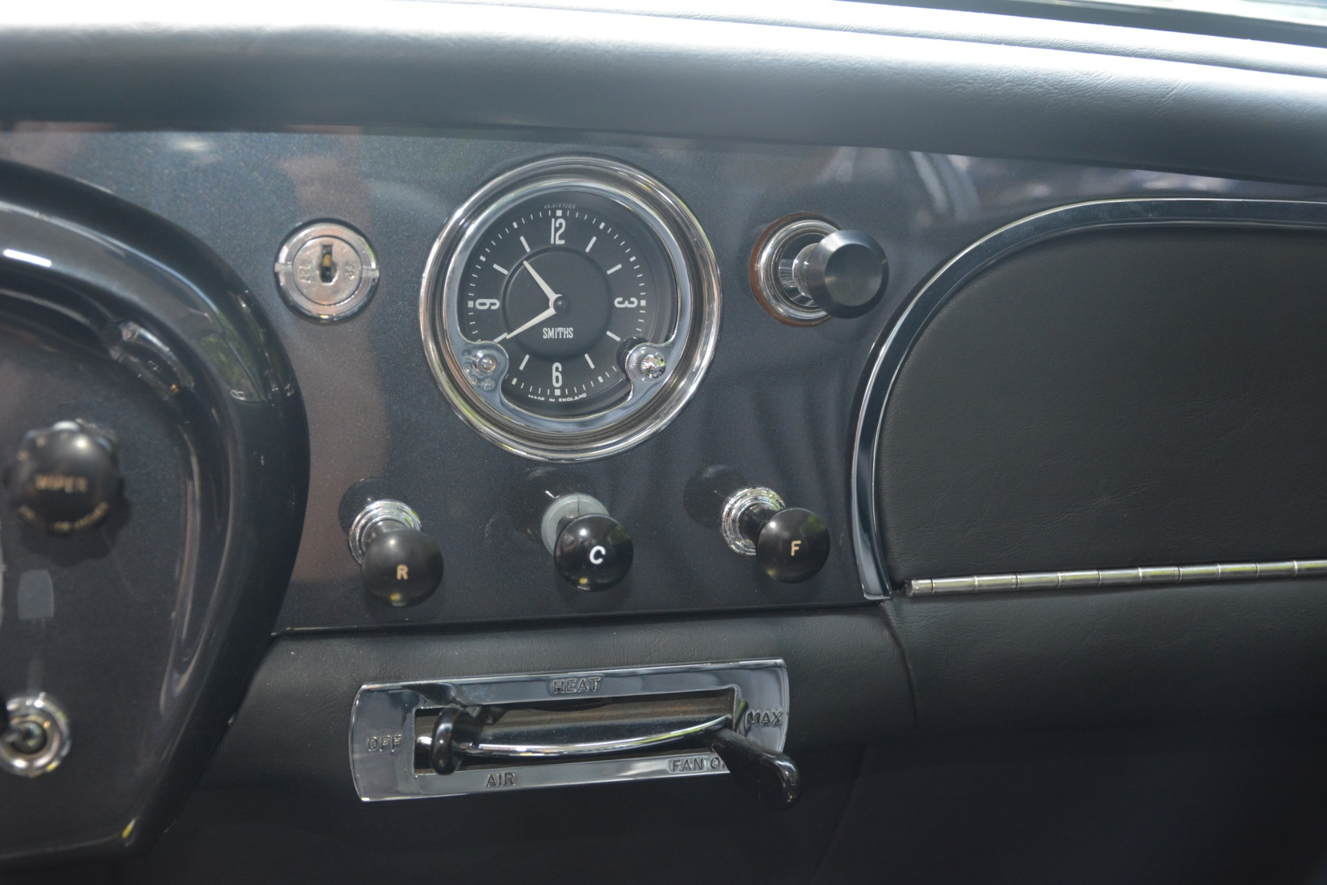 Used 1961 Aston Martin DB4 Series IV Coupe For Sale In Westport, CT 3186_p30