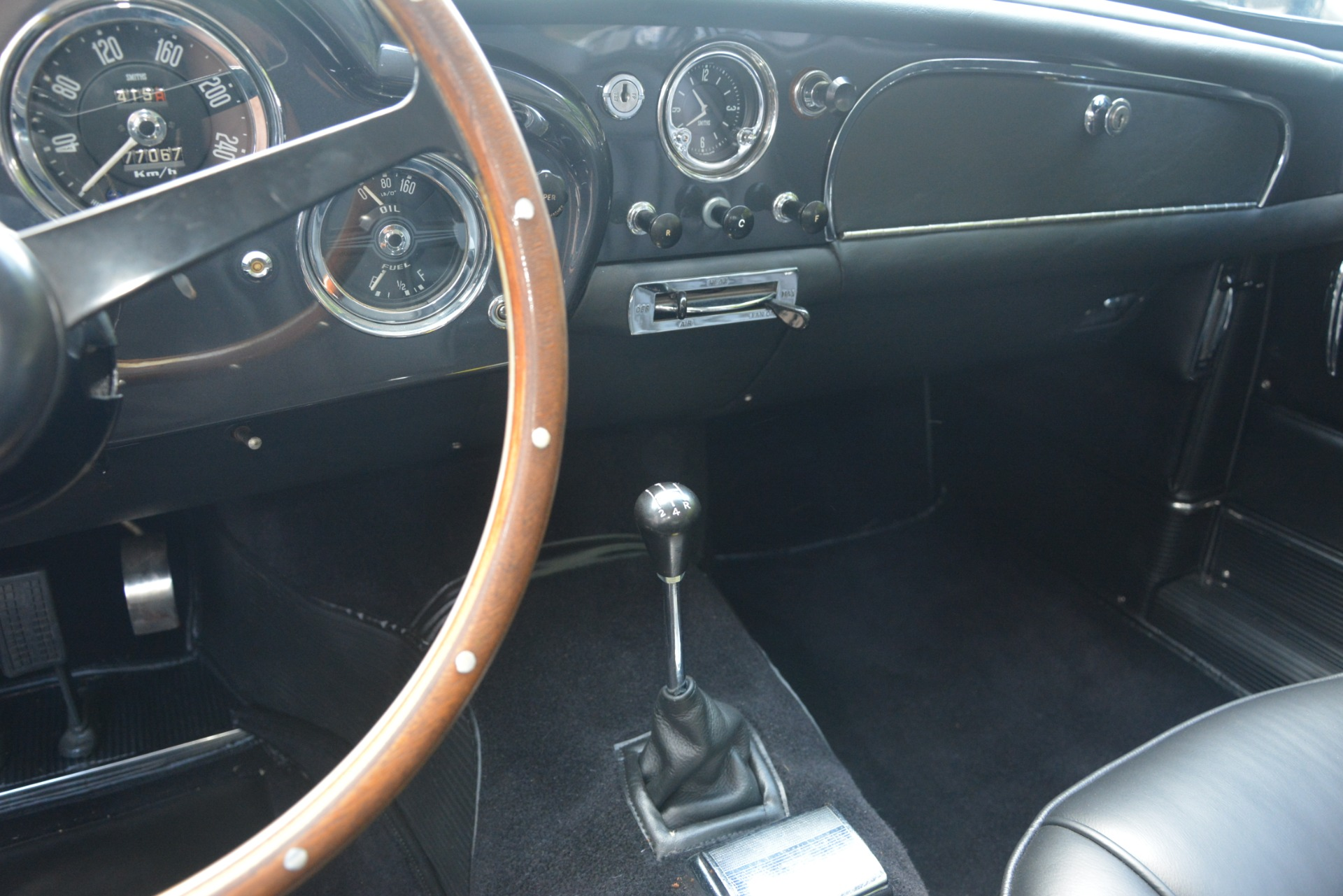Used 1961 Aston Martin DB4 Series IV Coupe For Sale In Westport, CT 3186_p31