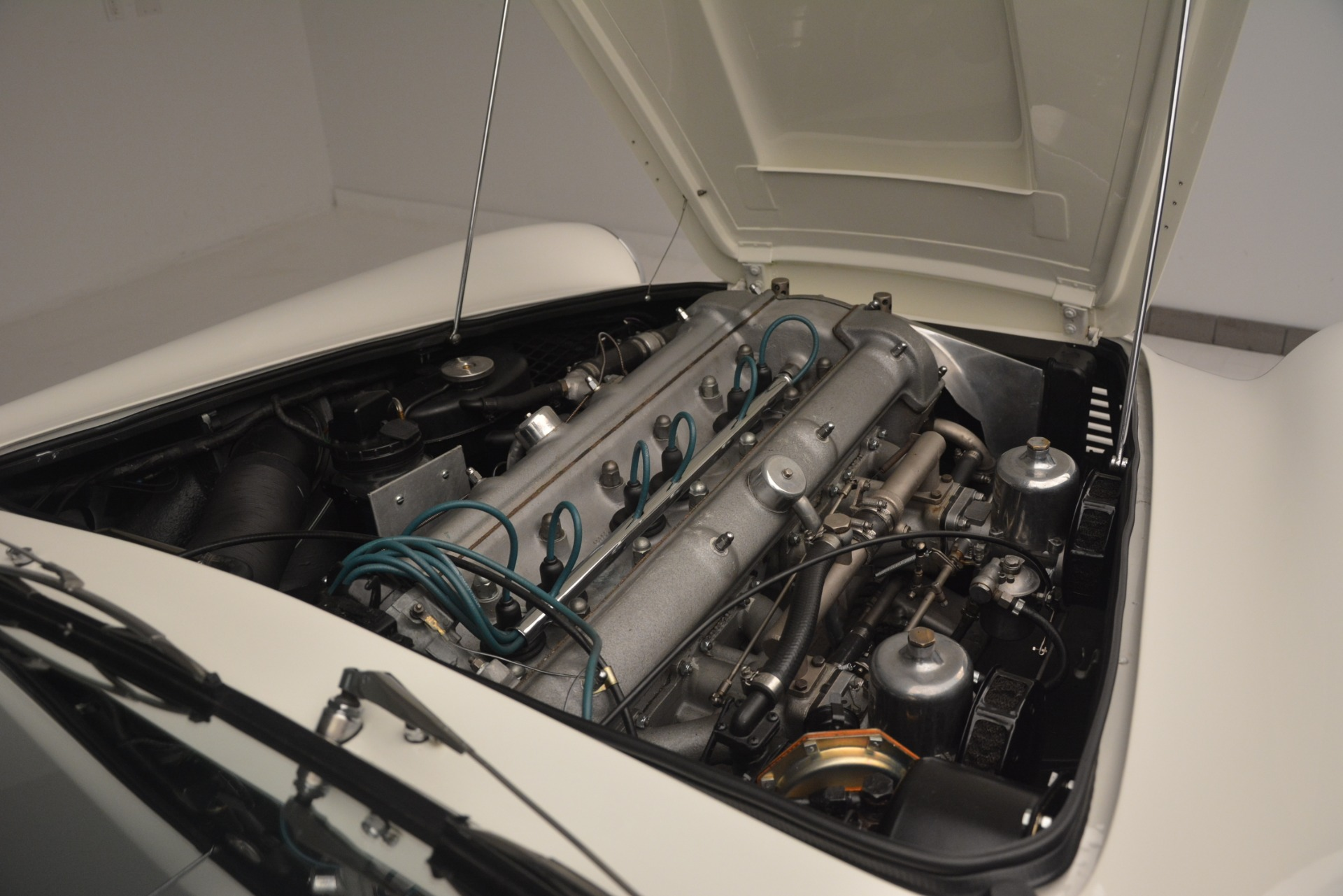 Used 1961 Aston Martin DB4 Series IV Coupe For Sale In Westport, CT 3186_p33