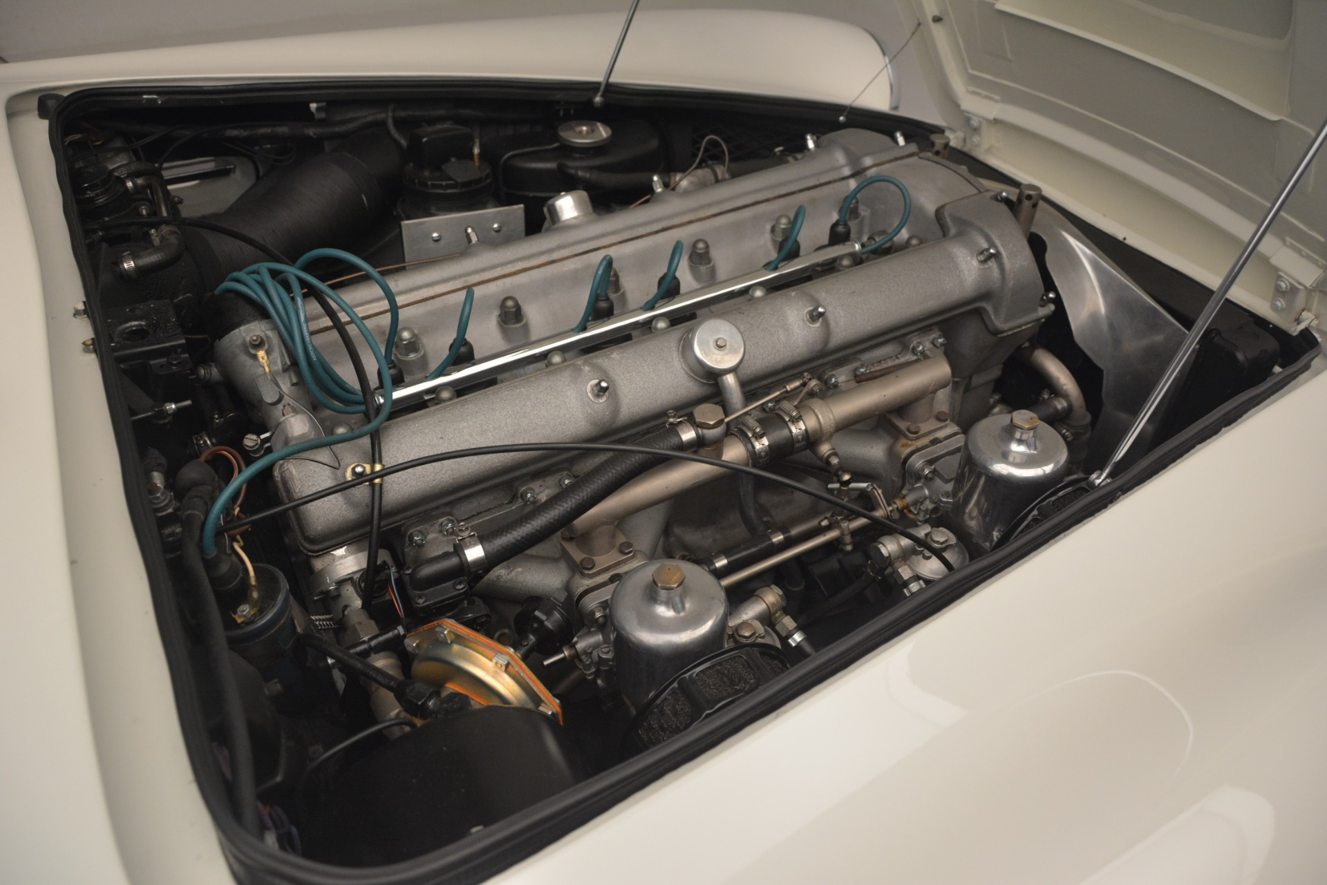 Used 1961 Aston Martin DB4 Series IV Coupe For Sale In Westport, CT 3186_p34