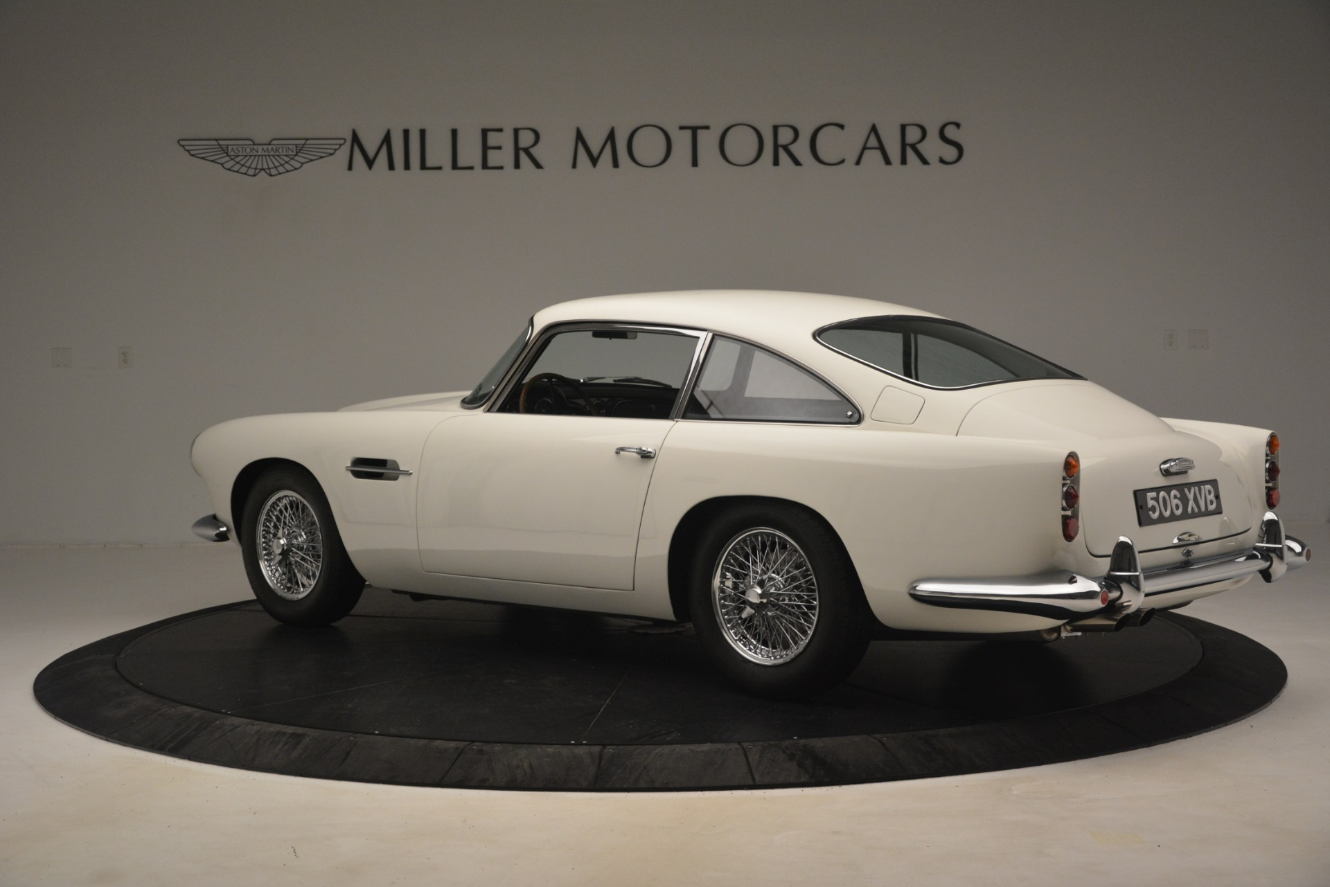 Used 1961 Aston Martin DB4 Series IV Coupe For Sale In Westport, CT 3186_p4