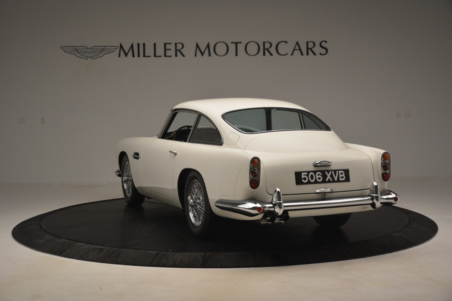 Used 1961 Aston Martin DB4 Series IV Coupe For Sale In Westport, CT 3186_p5