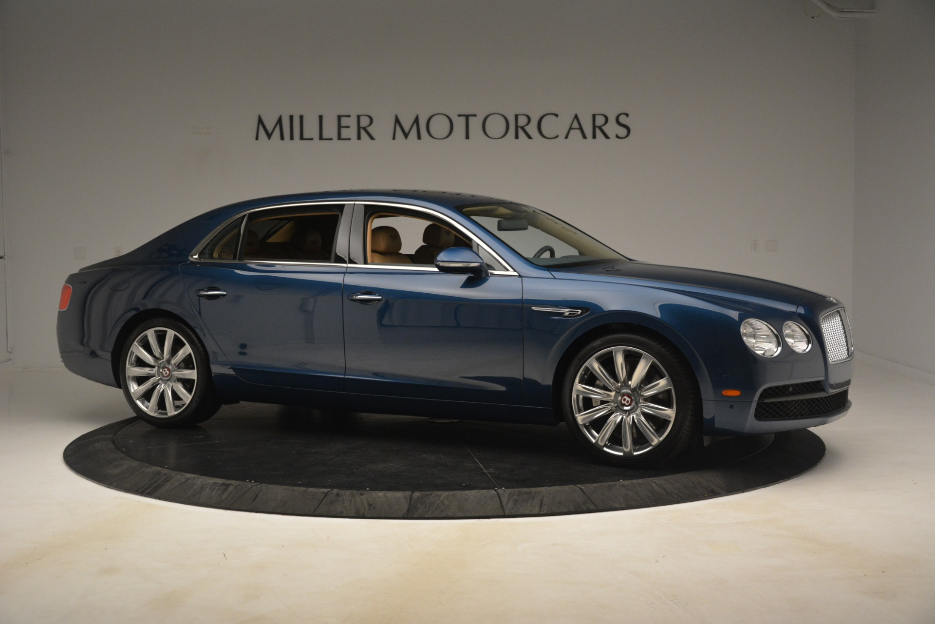 Used 2016 Bentley Flying Spur V8 For Sale In Westport, CT 3195_p10