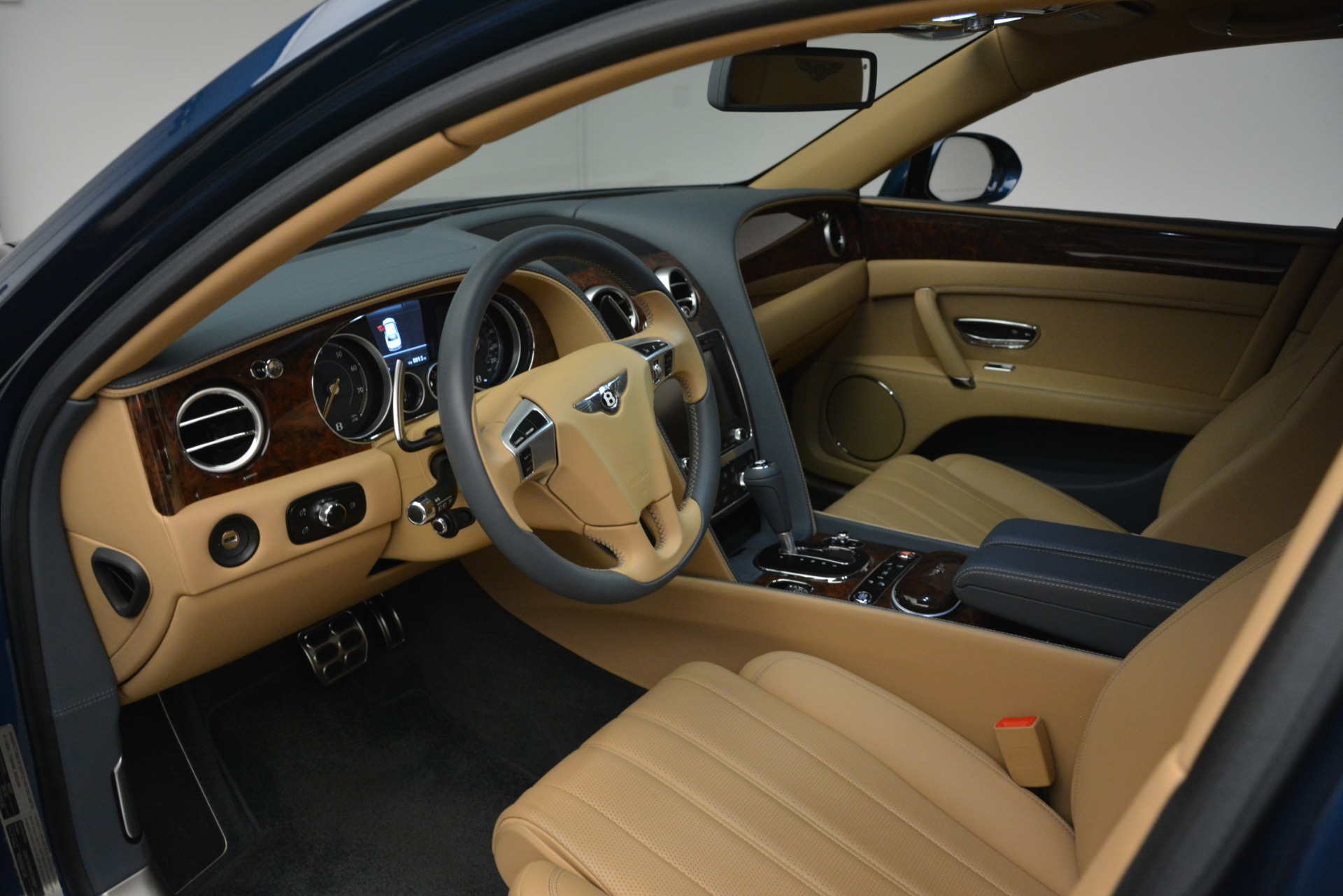 Used 2016 Bentley Flying Spur V8 For Sale In Westport, CT 3195_p17