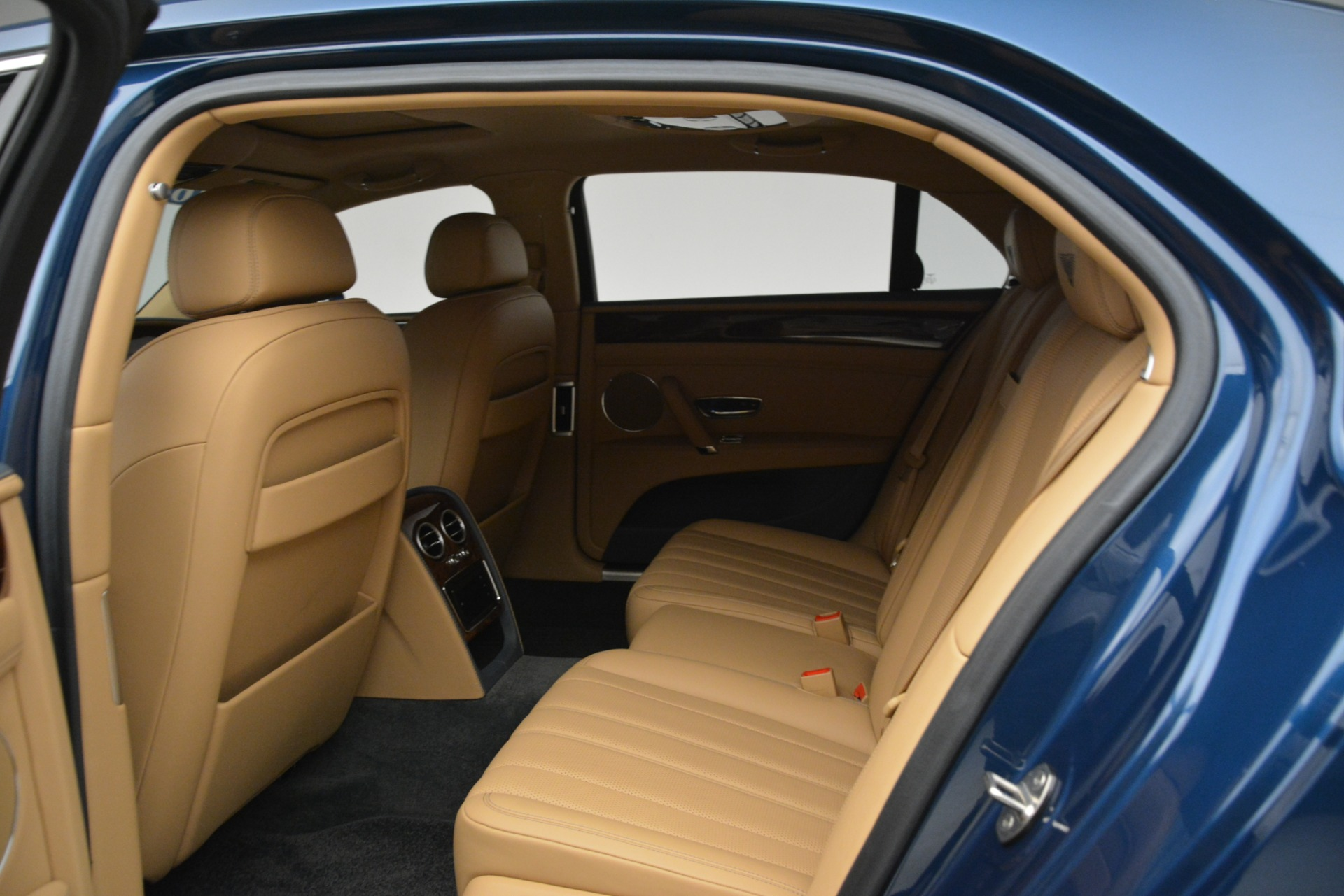 Used 2016 Bentley Flying Spur V8 For Sale In Westport, CT 3195_p21