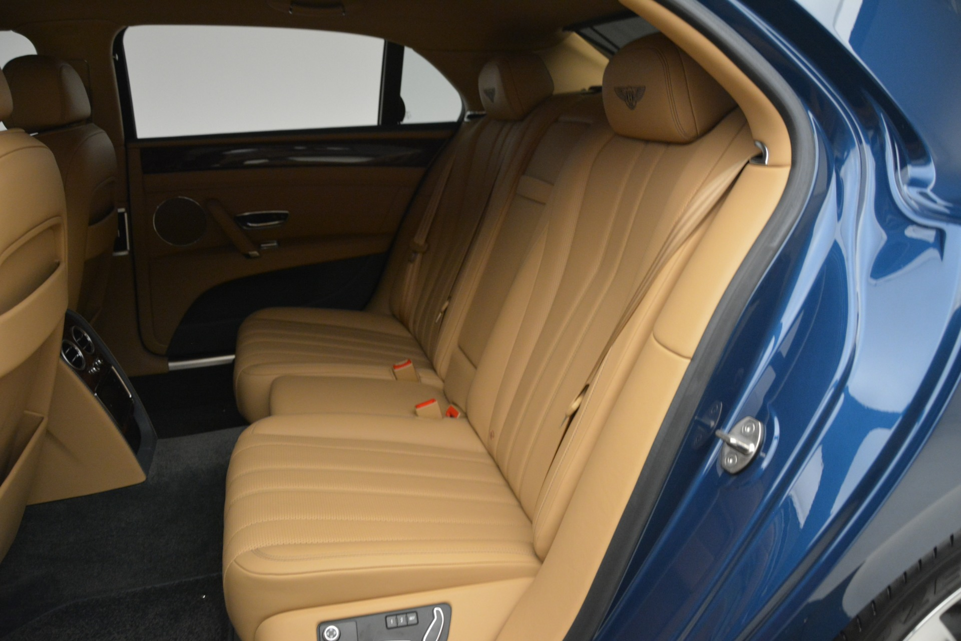 Used 2016 Bentley Flying Spur V8 For Sale In Westport, CT 3195_p22