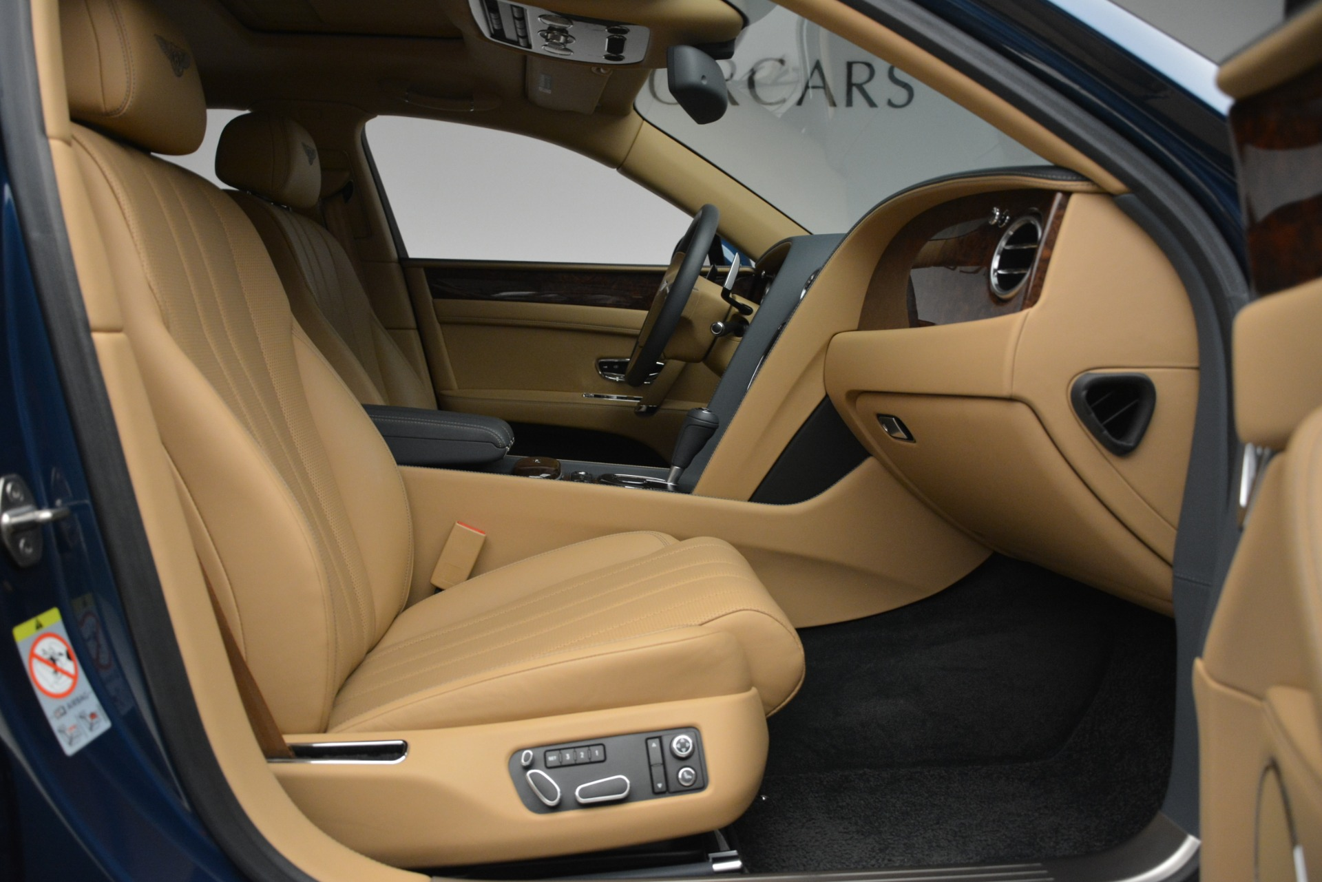 Used 2016 Bentley Flying Spur V8 For Sale In Westport, CT 3195_p28