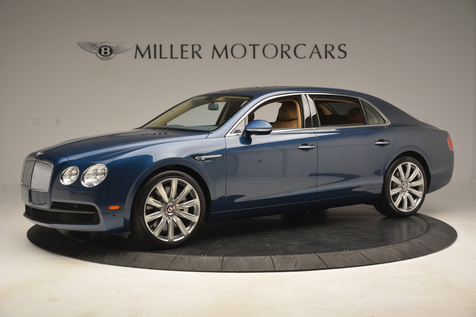 Used 2016 Bentley Flying Spur V8 For Sale In Westport, CT 3195_p2