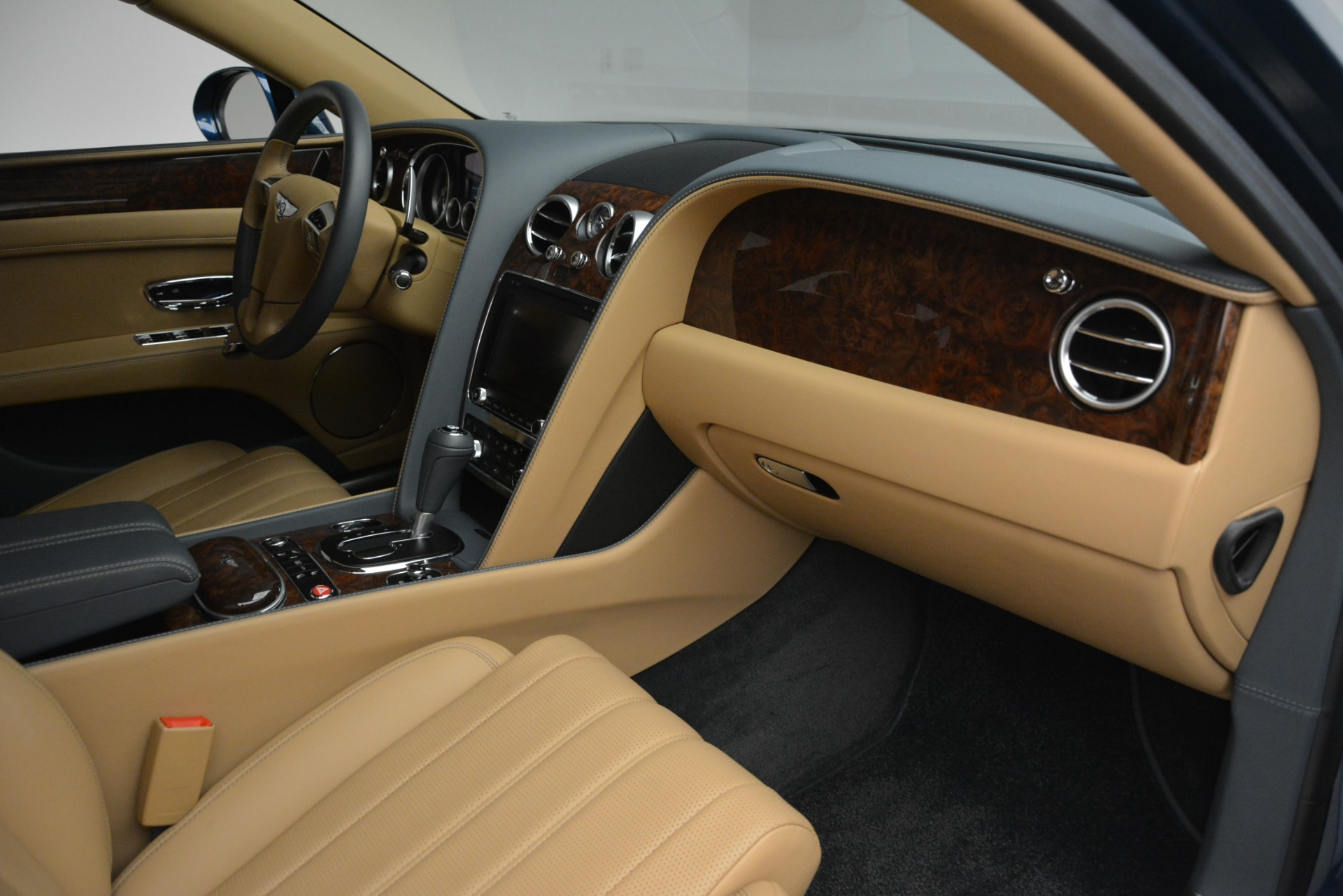 Used 2016 Bentley Flying Spur V8 For Sale In Westport, CT 3195_p30