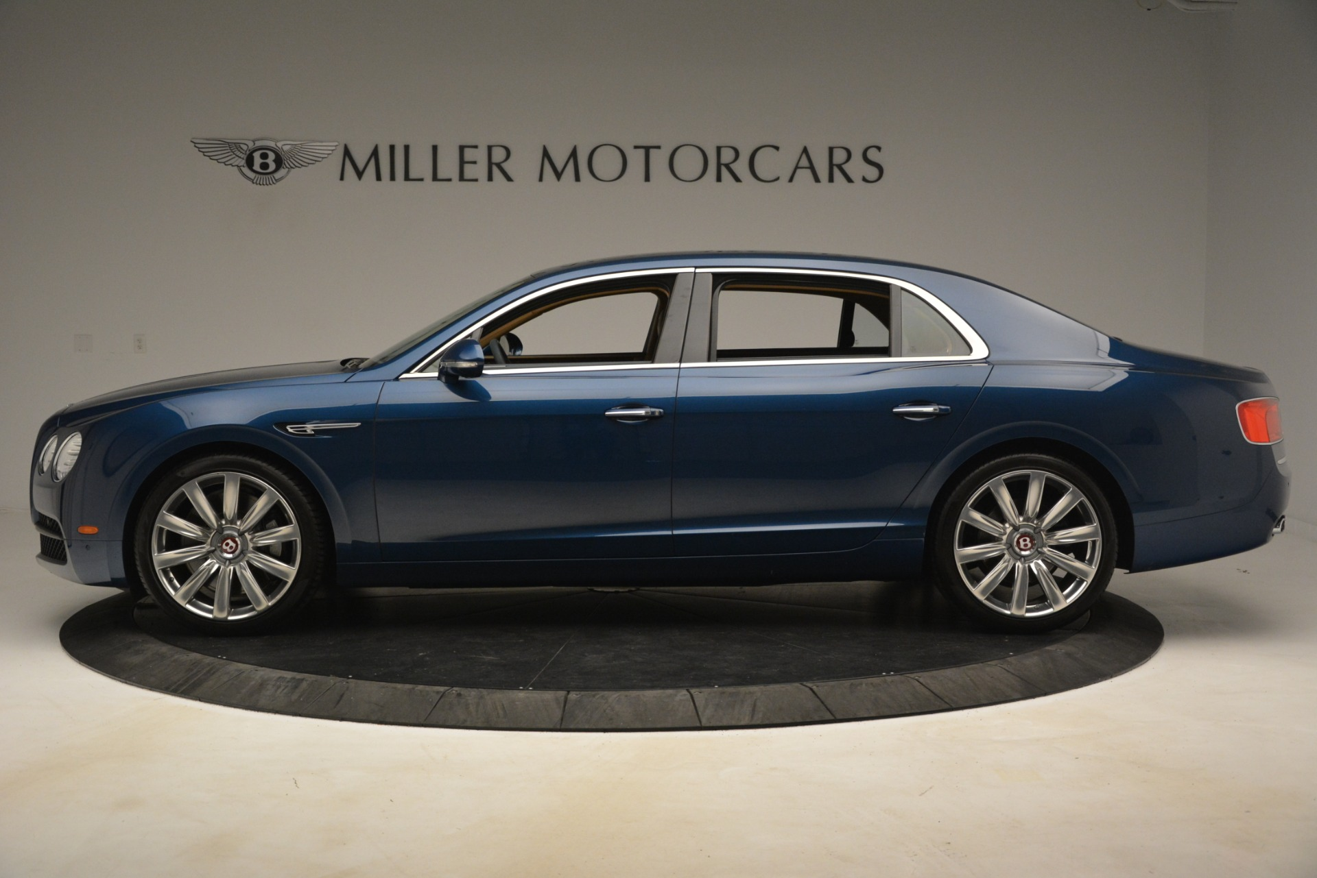 Used 2016 Bentley Flying Spur V8 For Sale In Westport, CT 3195_p3
