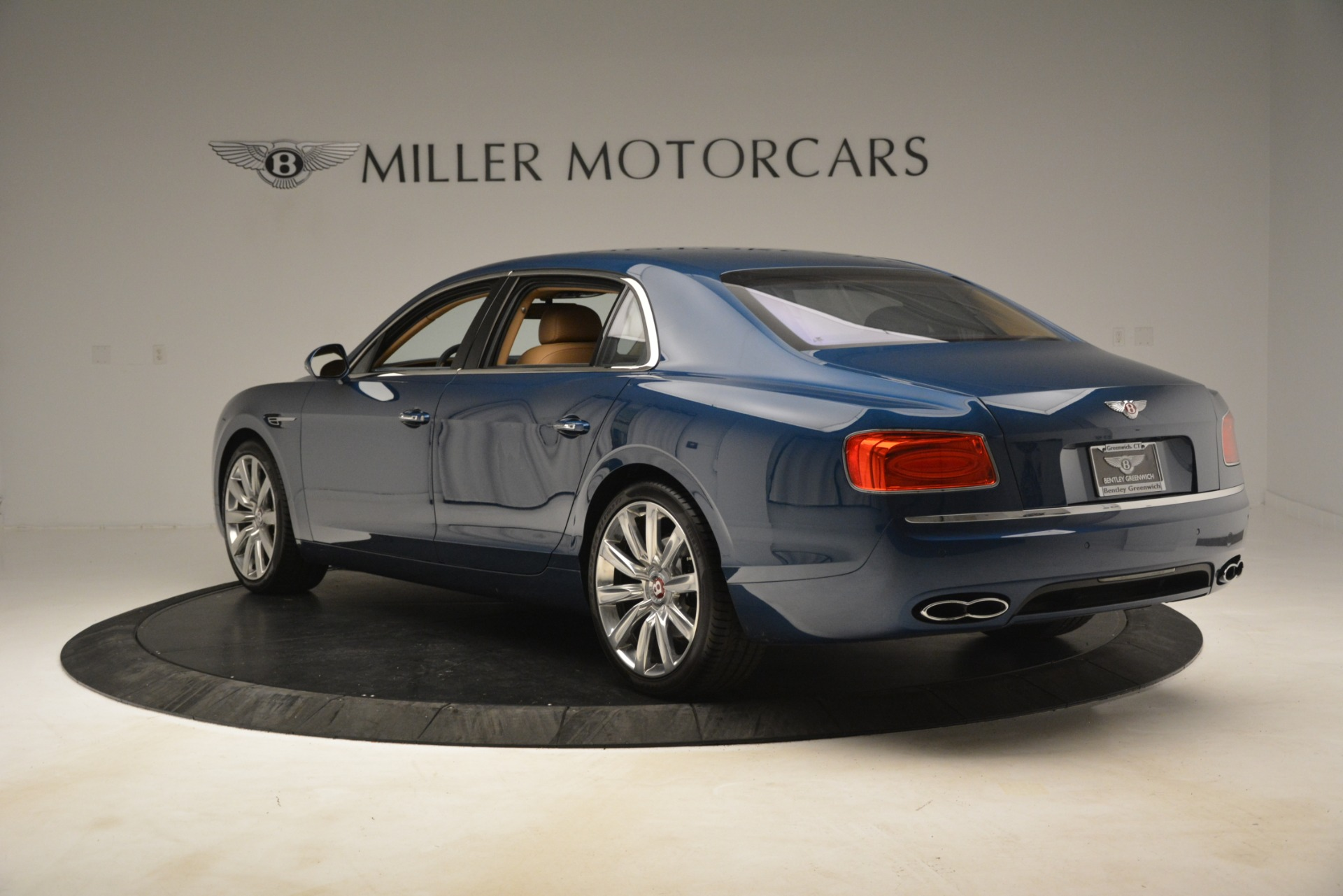 Used 2016 Bentley Flying Spur V8 For Sale In Westport, CT 3195_p5