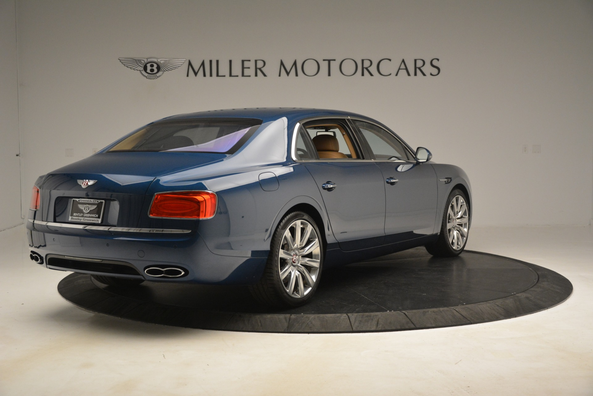 Used 2016 Bentley Flying Spur V8 For Sale In Westport, CT 3195_p7