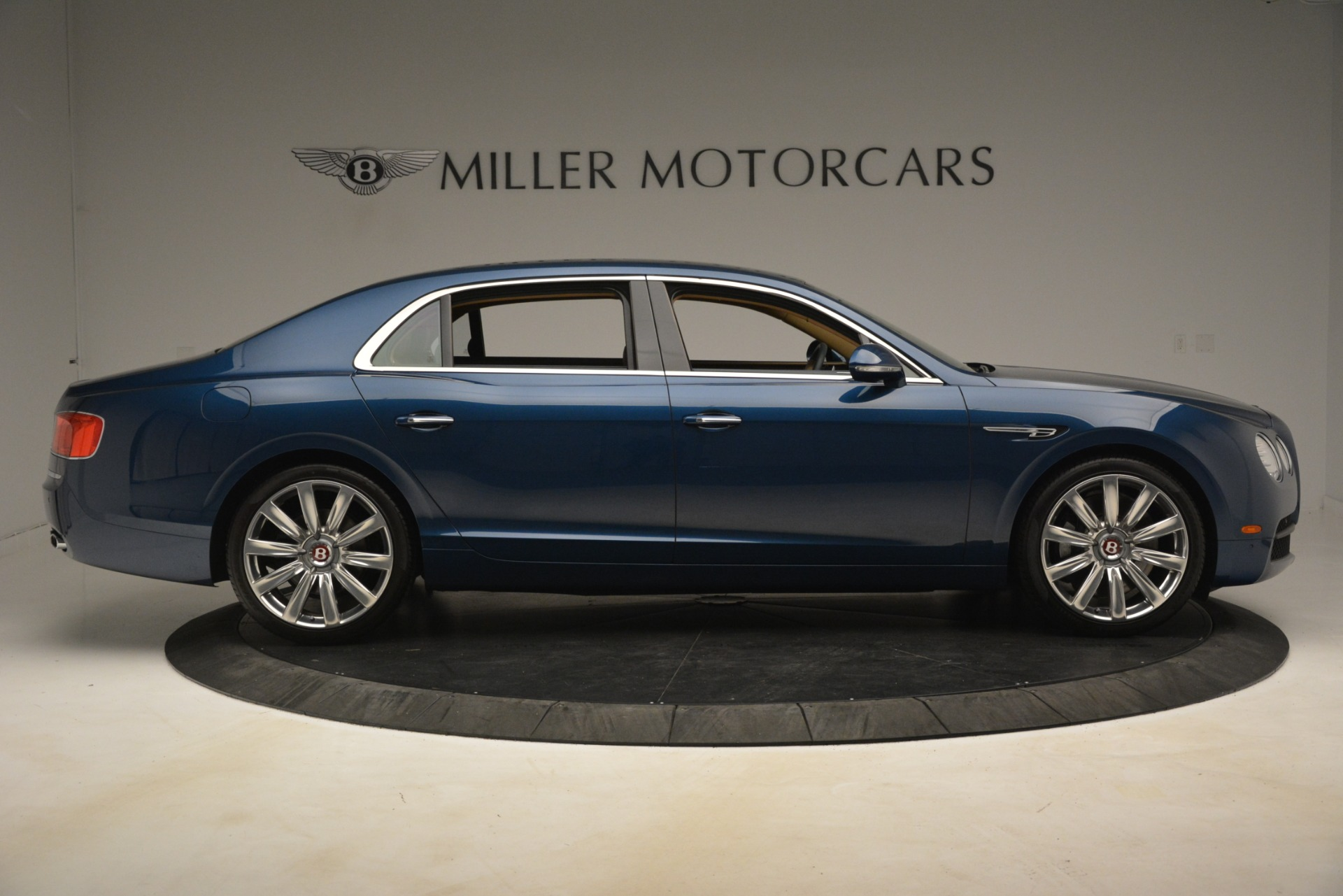 Used 2016 Bentley Flying Spur V8 For Sale In Westport, CT 3195_p9