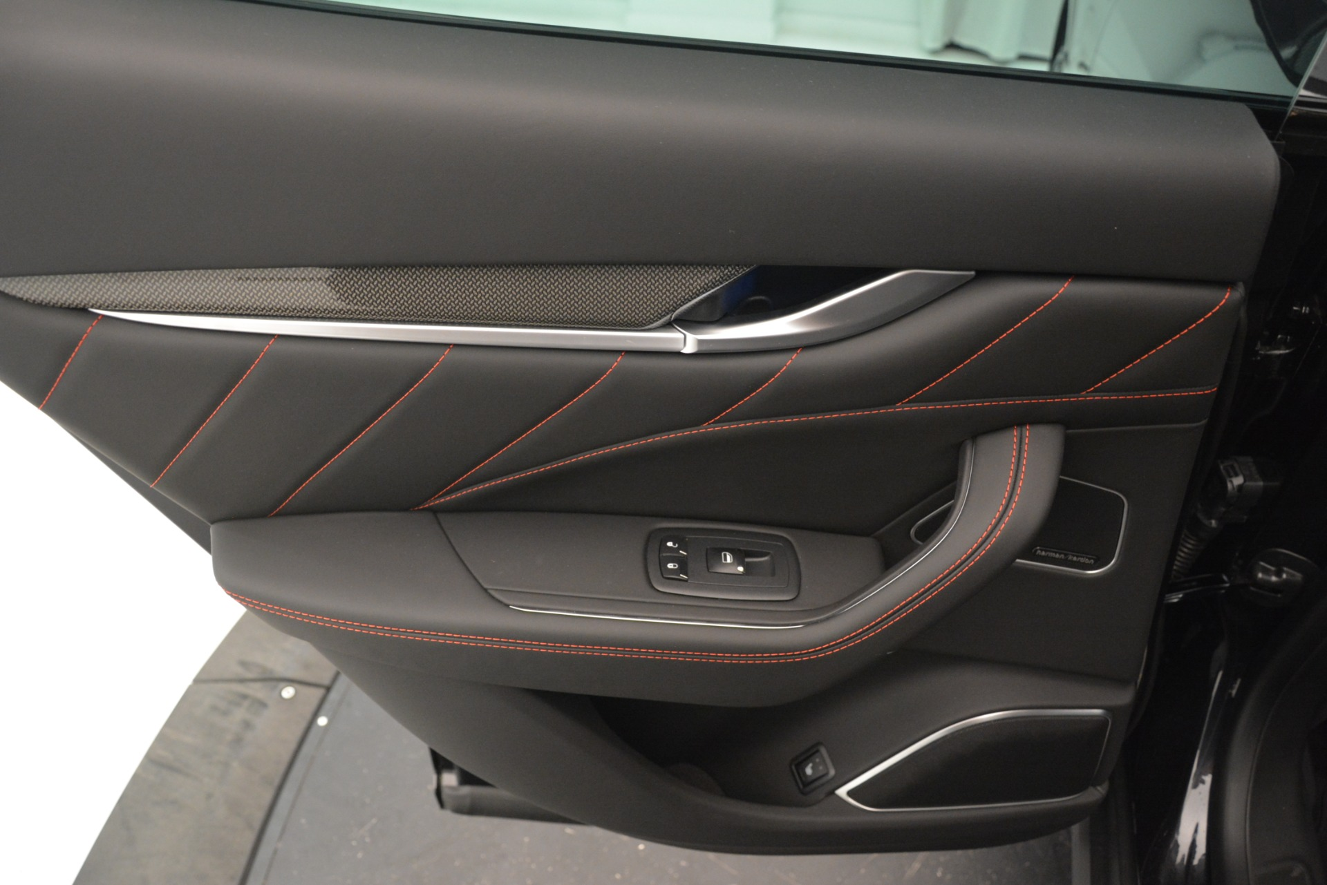 New 2019 Maserati Levante SQ4 GranSport Nerissimo For Sale In Westport, CT 3199_p21