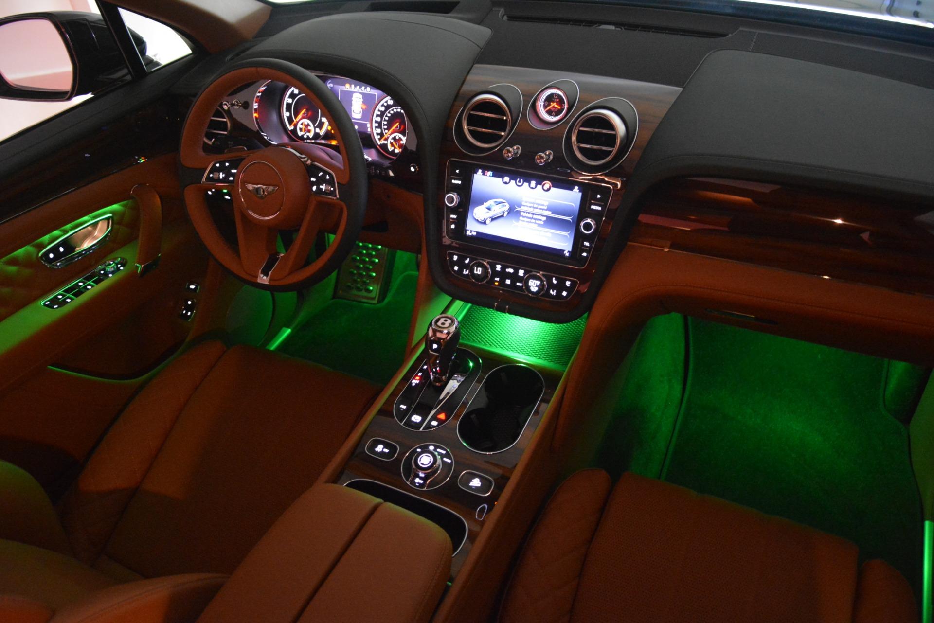 New 2019 Bentley Bentayga V8 For Sale In Westport, CT 3203_p31