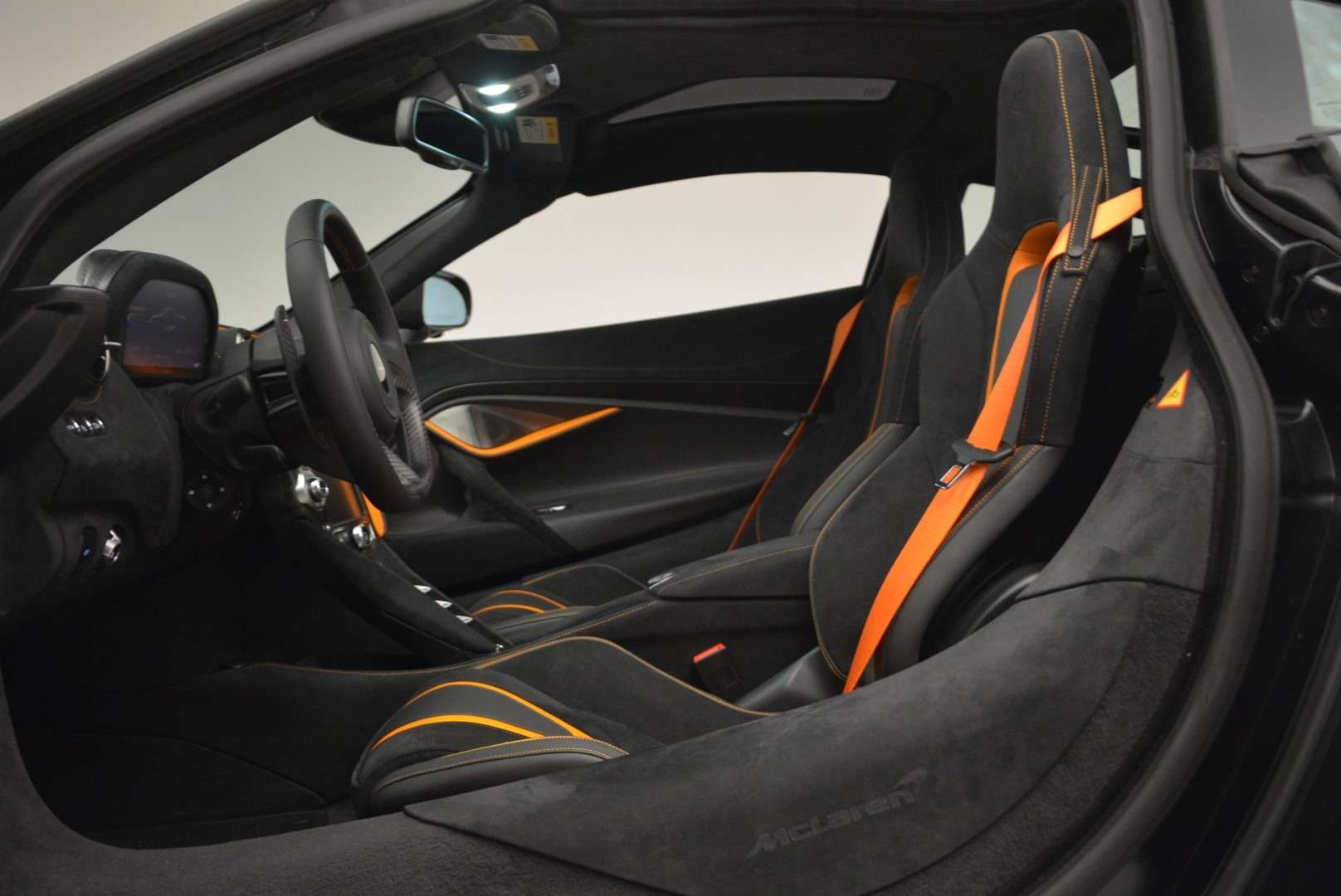 Used 2018 McLaren 720S Coupe For Sale In Westport, CT 3205_p16
