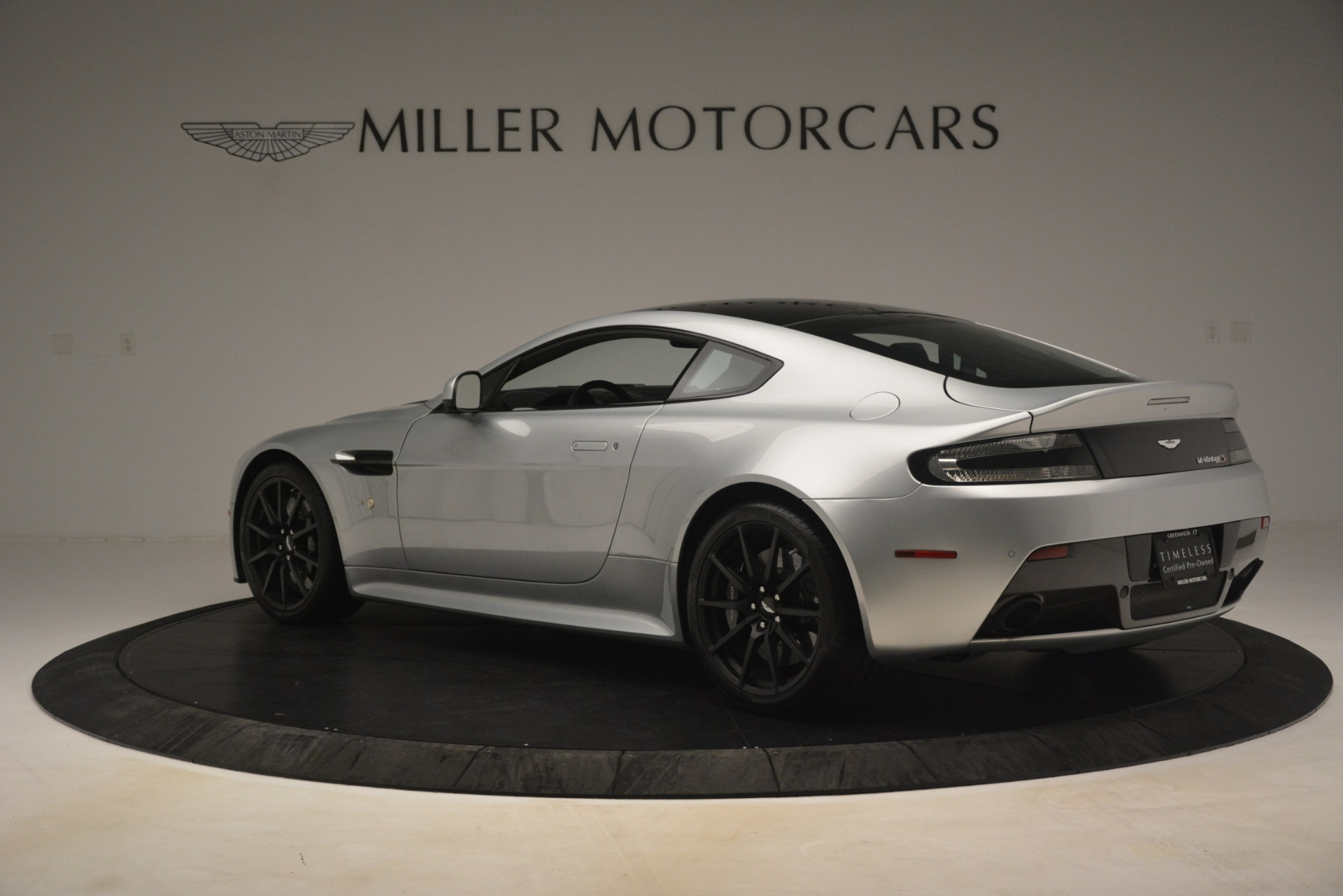 Used 2015 Aston Martin V12 Vantage S Coupe For Sale In Westport, CT 3206_p4