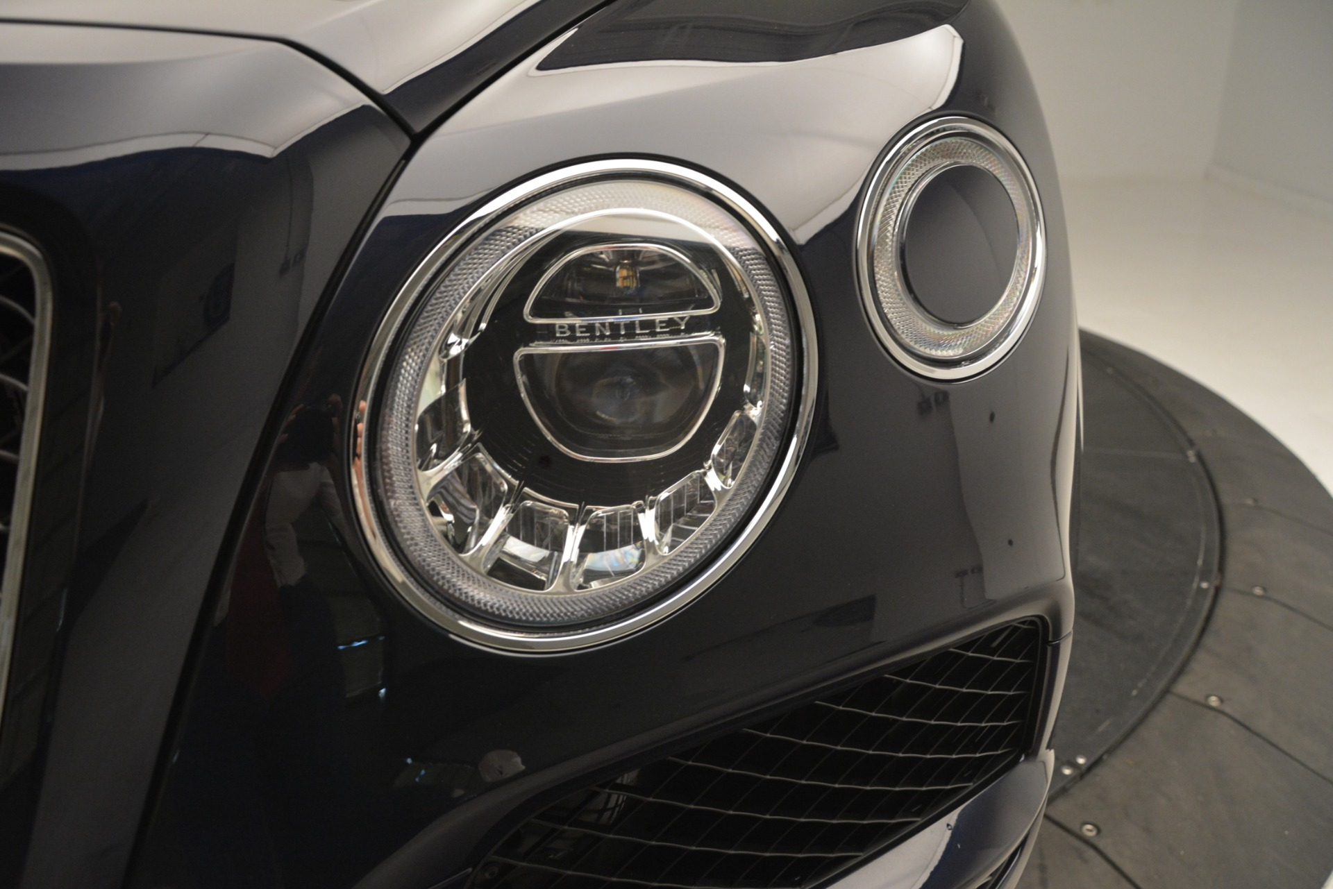 New 2019 Bentley Bentayga V8 For Sale In Westport, CT 3207_p15
