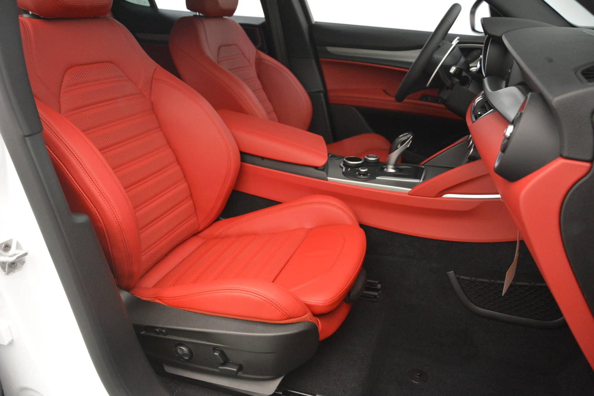 New 2019 Alfa Romeo Stelvio Ti Sport Q4 For Sale In Westport, CT 3209_p24