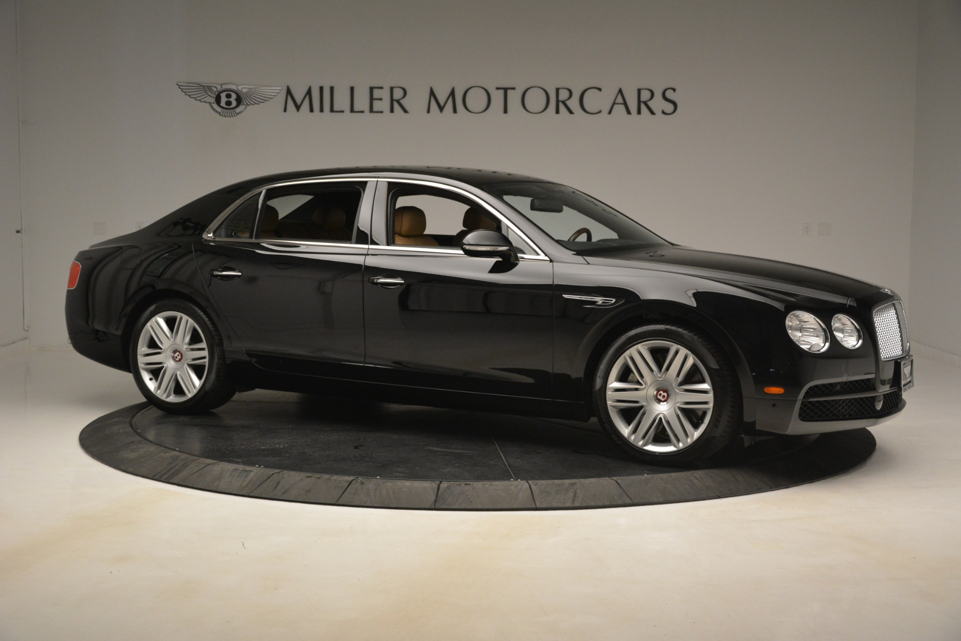 Used 2016 Bentley Flying Spur V8 For Sale In Westport, CT 3210_p11