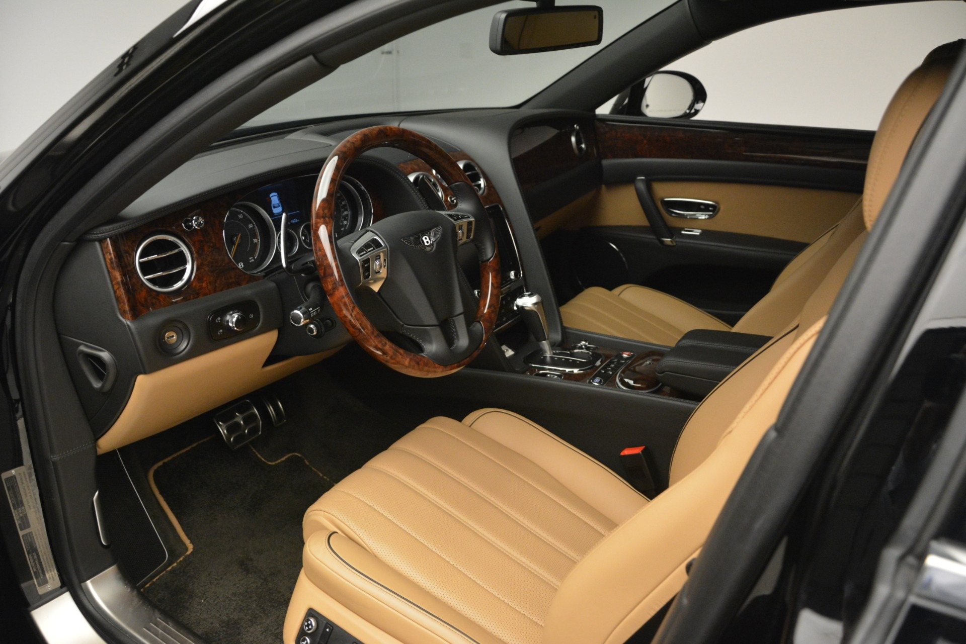 Used 2016 Bentley Flying Spur V8 For Sale In Westport, CT 3210_p20