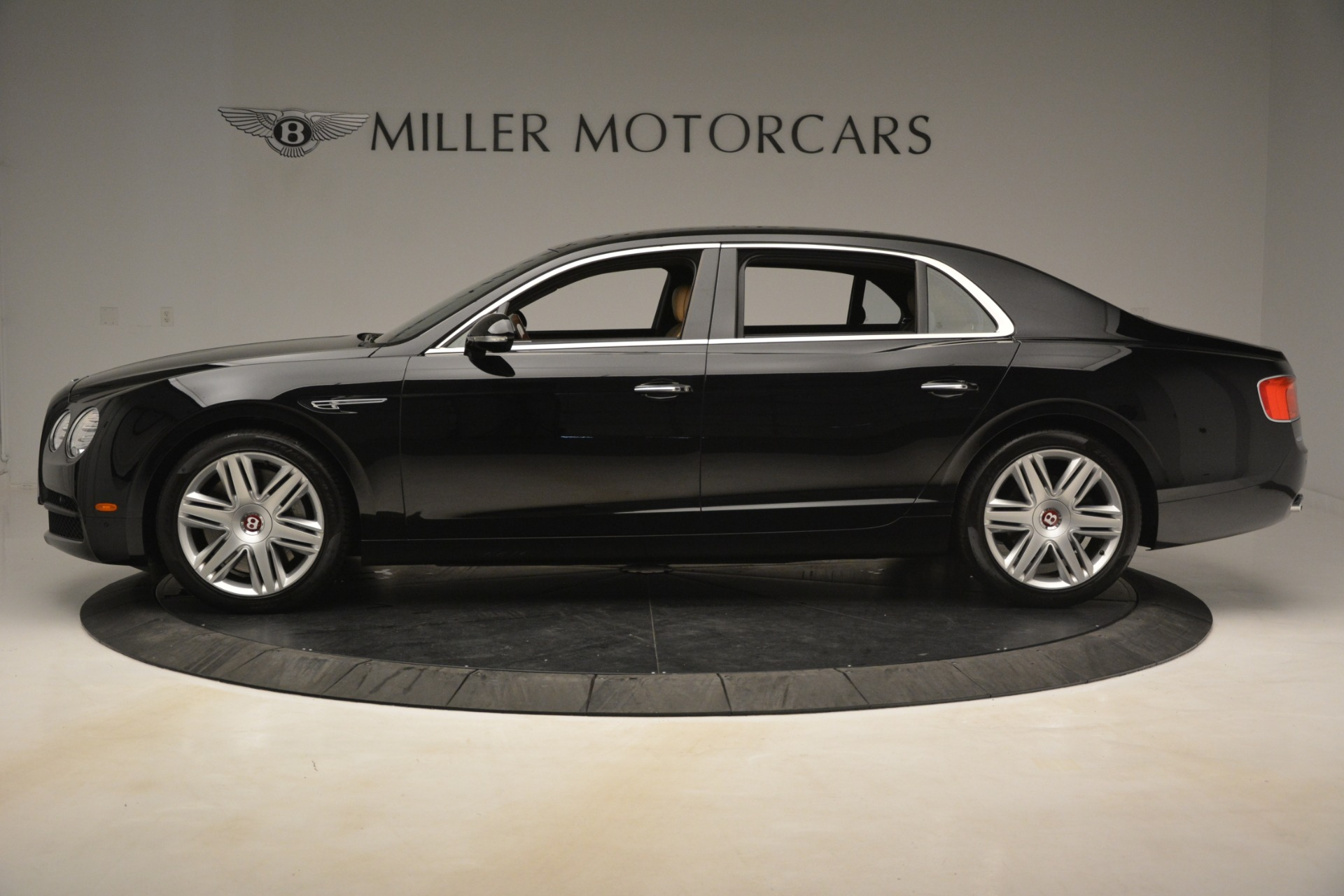 Used 2016 Bentley Flying Spur V8 For Sale In Westport, CT 3210_p3