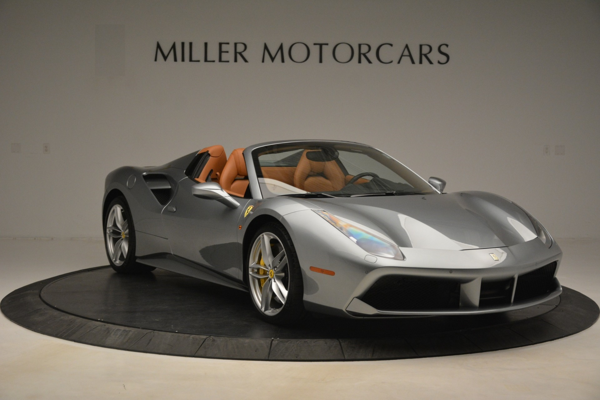 Used 2019 Ferrari 488 Spider  For Sale In Westport, CT 3216_p11