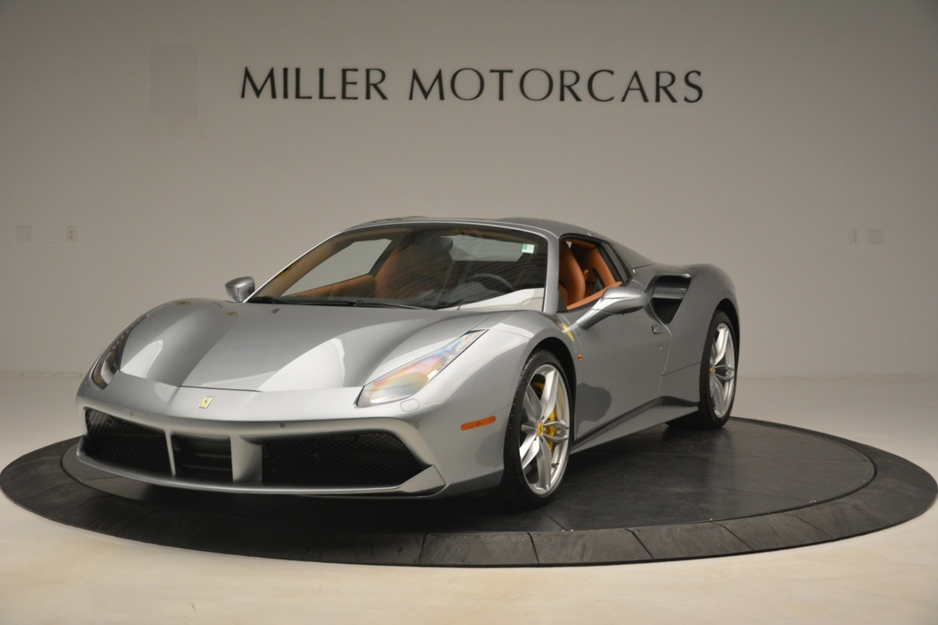 Used 2019 Ferrari 488 Spider  For Sale In Westport, CT 3216_p13