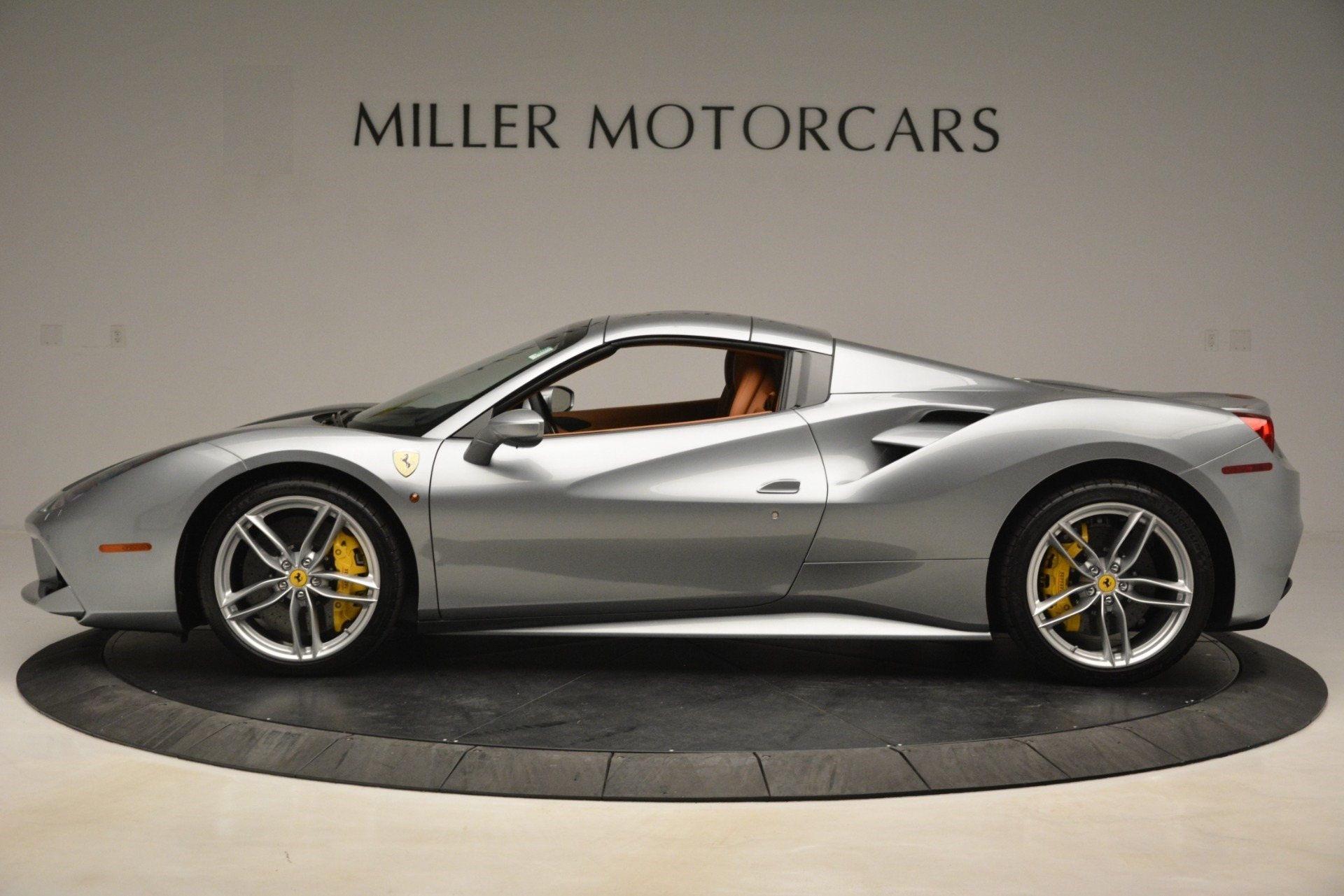 Used 2019 Ferrari 488 Spider  For Sale In Westport, CT 3216_p14